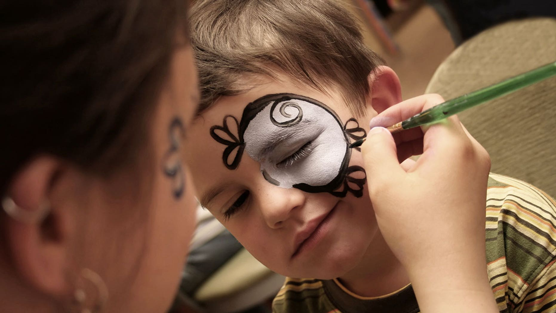 A mom in Australia took to Facebook last week to warn fellow parents about the dangers of Halloween makeup kits.