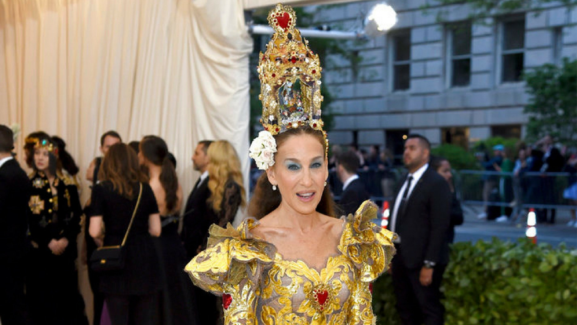 """Social media users trolled Sarah Jessica Parker for her Met Gala look, saying the actress appeared """"old."""""""