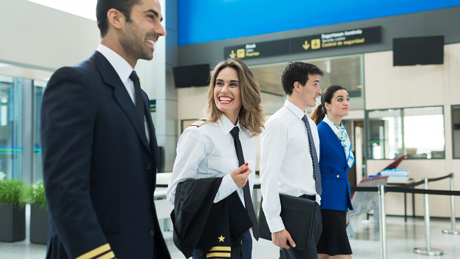 reasons to become a flight attendant