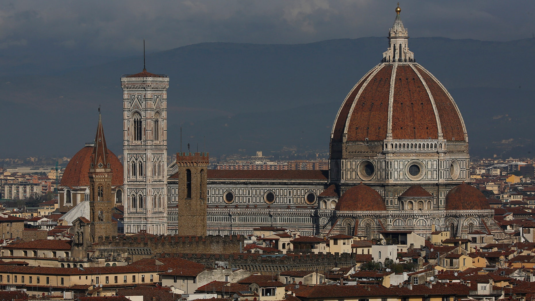 A general view of Florence cathedral, Italy March 1, 2016. REUTERS/Tony Gentile - RTS8RXK