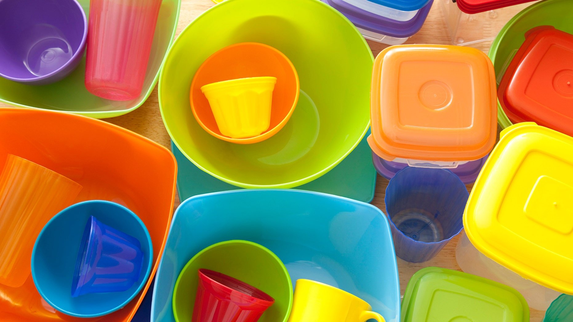 Using plastic containers to store food, as well as microwaving food in plastic containers, can pose health risks for children, the report says.
