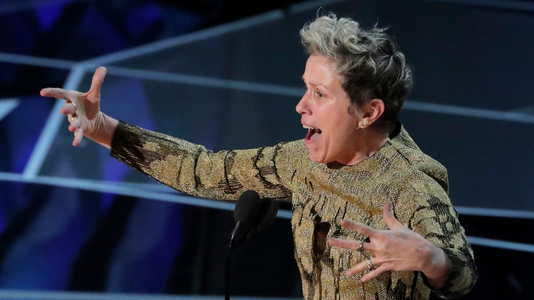 90th Academy Awards - Oscars Show – Hollywood - Frances McDormand accepts the Best Actress Oscar for her performance in Three Billboards Outside Ebbing, Missouri. REUTERS/Lucas Jackson - HP1EE350CXA8C