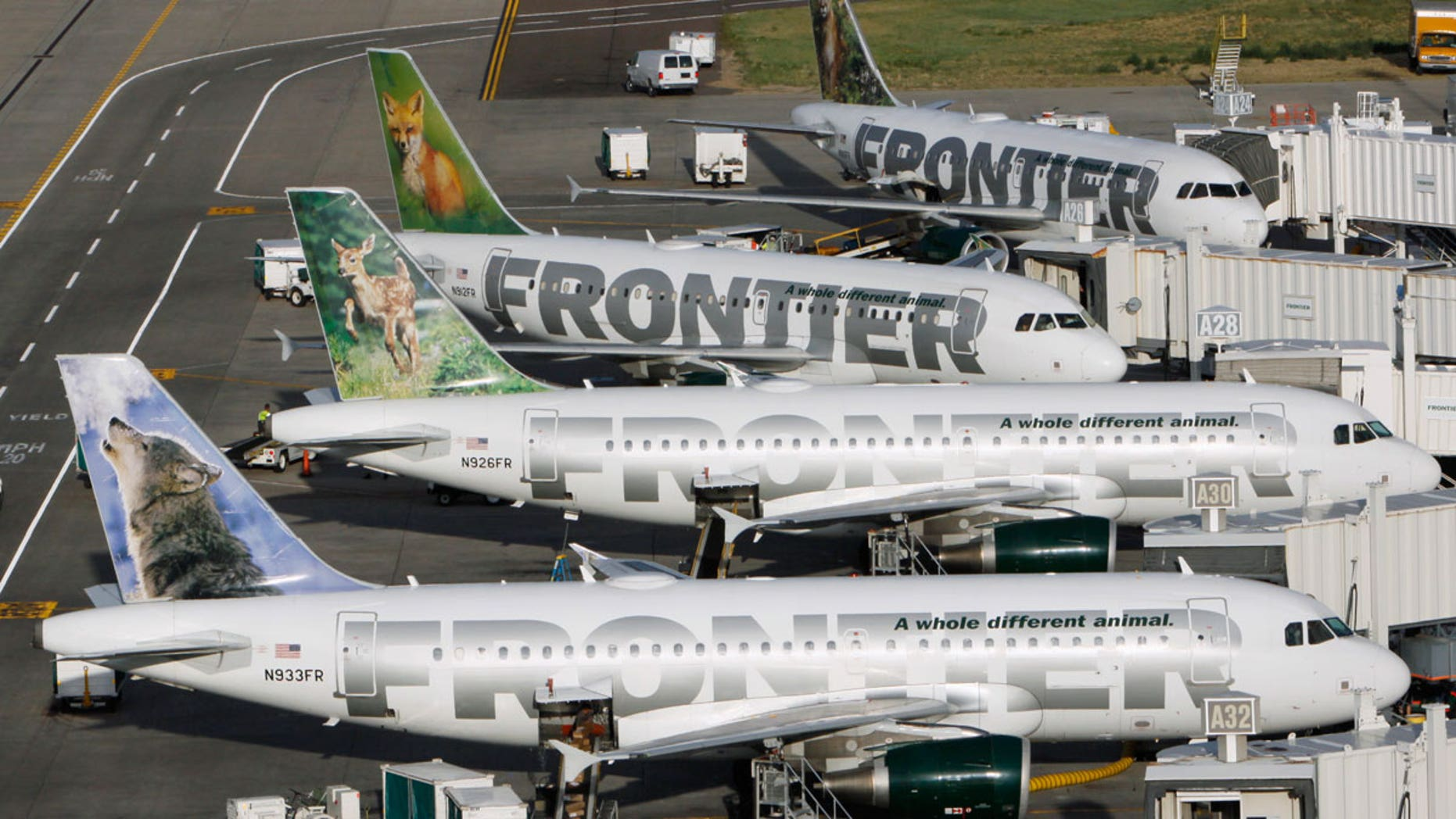 Phoenix woman Shemekia Cannon says she's never flying with Frontier again.