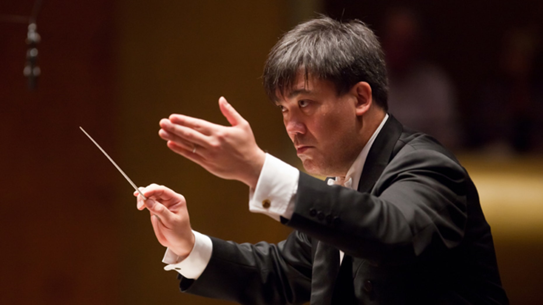 Sept. 30, 2010: Music Director Alan Gilbert conducts the New York Philharmonic at Avery Fisher Hall.
