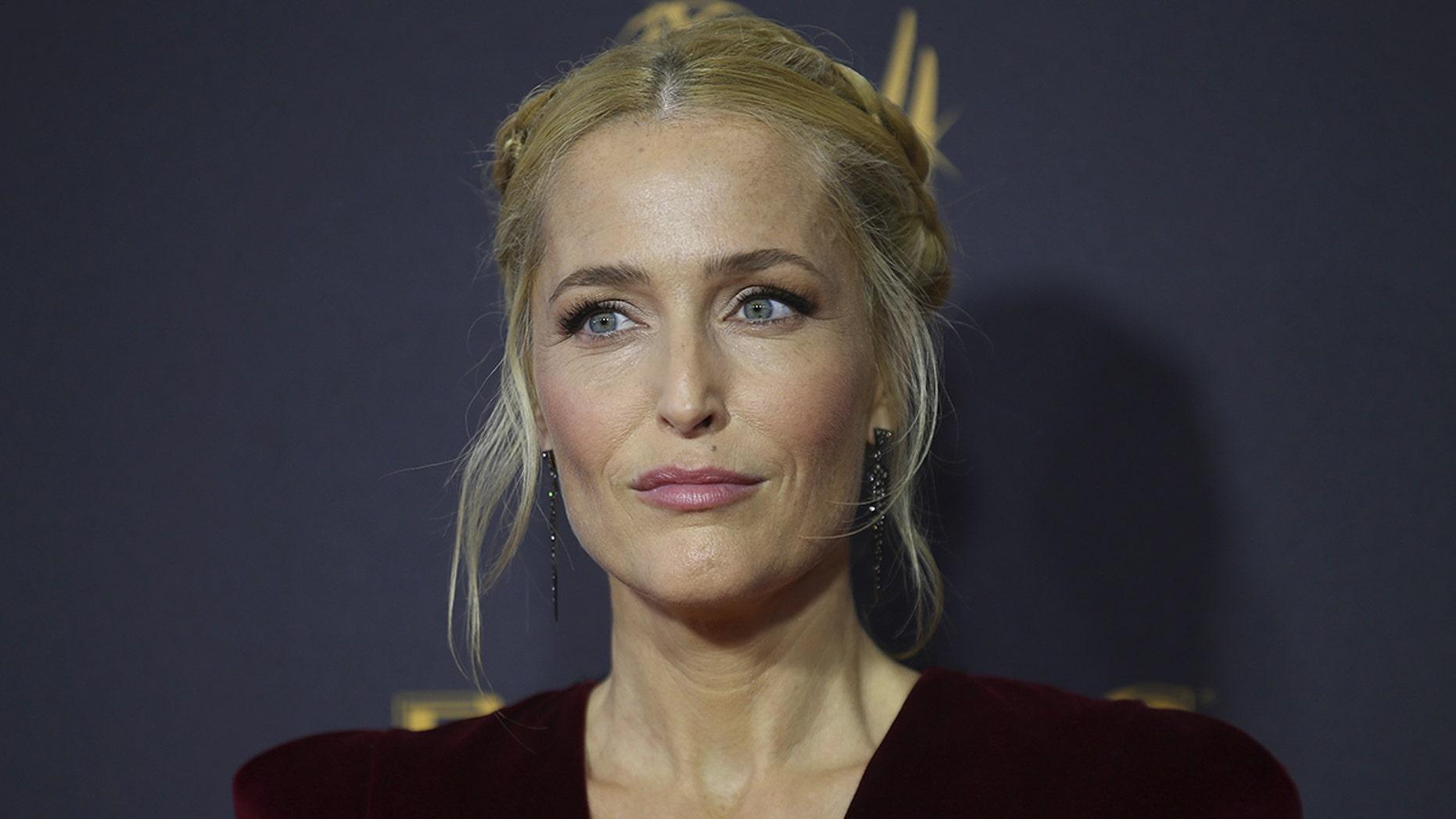 69th Primetime Emmy Awards – Arrivals – Los Angeles, California, U.S., 17/09/2017 -  Gillian Anderson. REUTERS/Mike Blake - HP1ED9I00T8VK