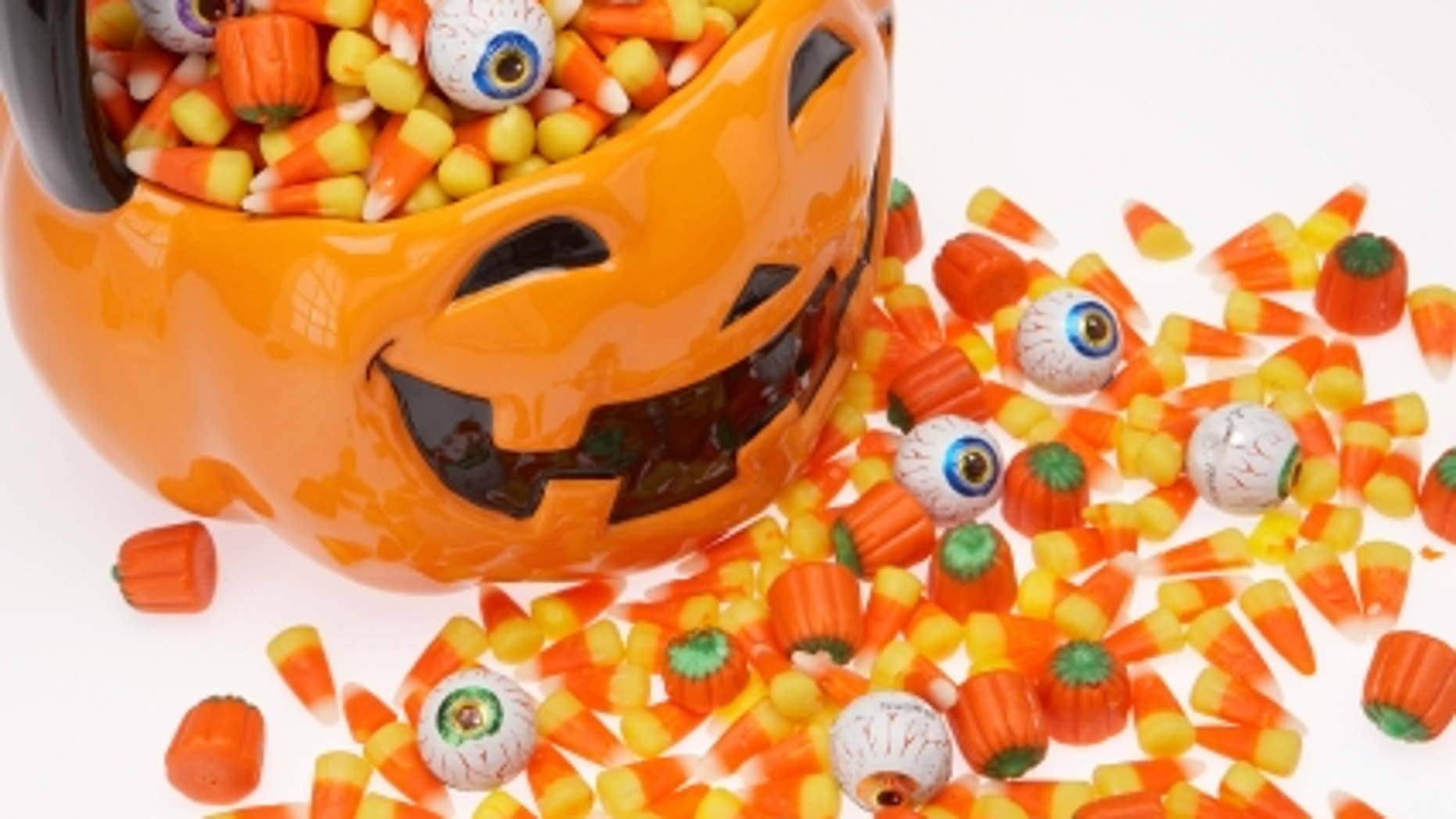 dentists offering cash for halloween candy to benefit troops | fox news