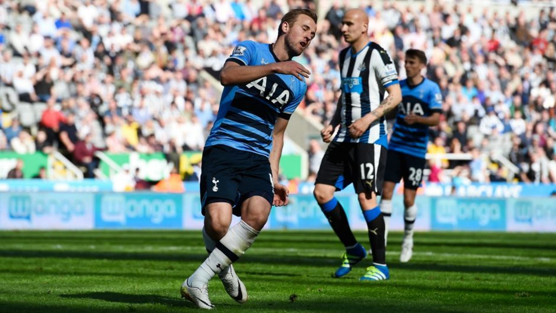 during the Barclays Premier League match between Newcastle United and Tottenham Hotspur at St James' Park on May 15, 2016 in Newcastle, England.