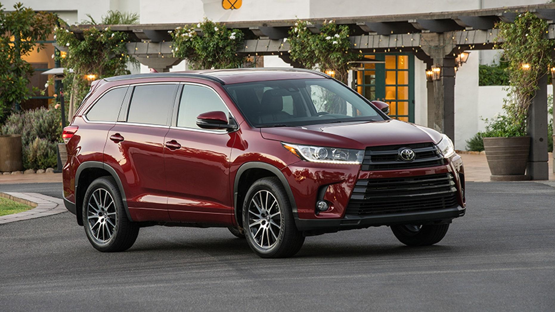 Great 2017 Toyota Highlander