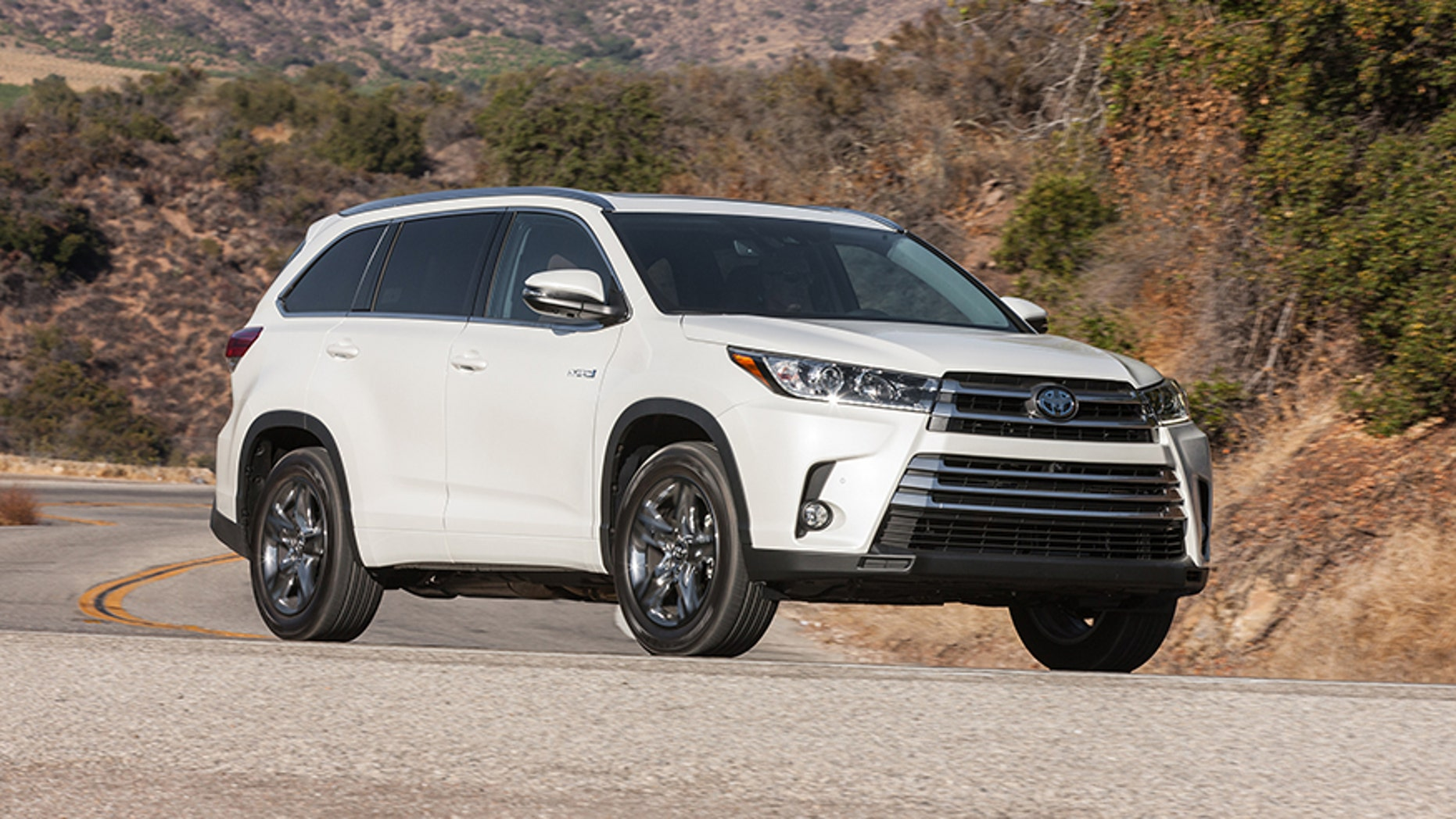2017 Toyota Highlander Hybrid Test Drive A Suv That Delivers Mpgs