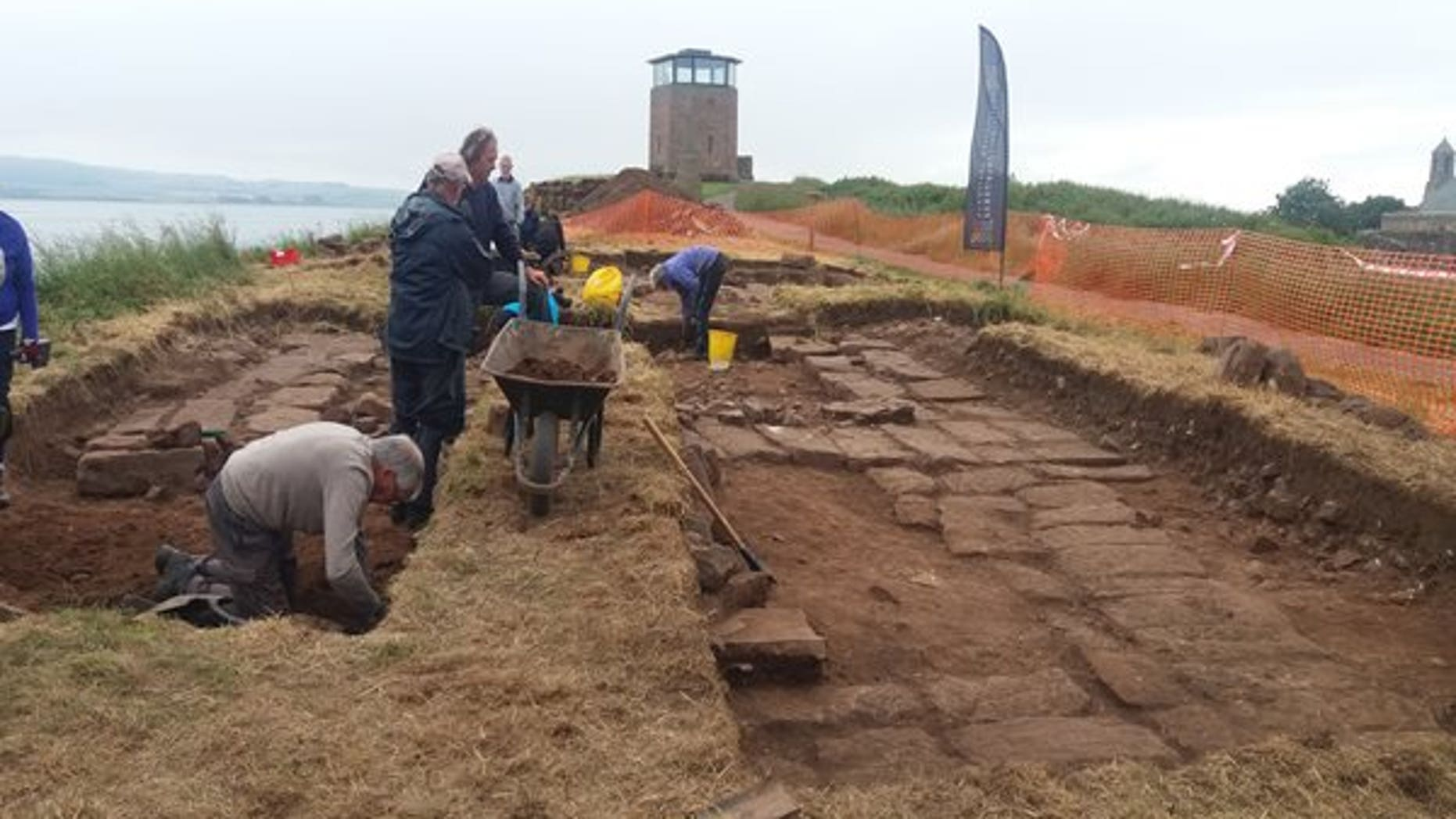 Excavation of the church on the Holy Island of Lindisfarne (Jessica Turner - Northumberland County Council).