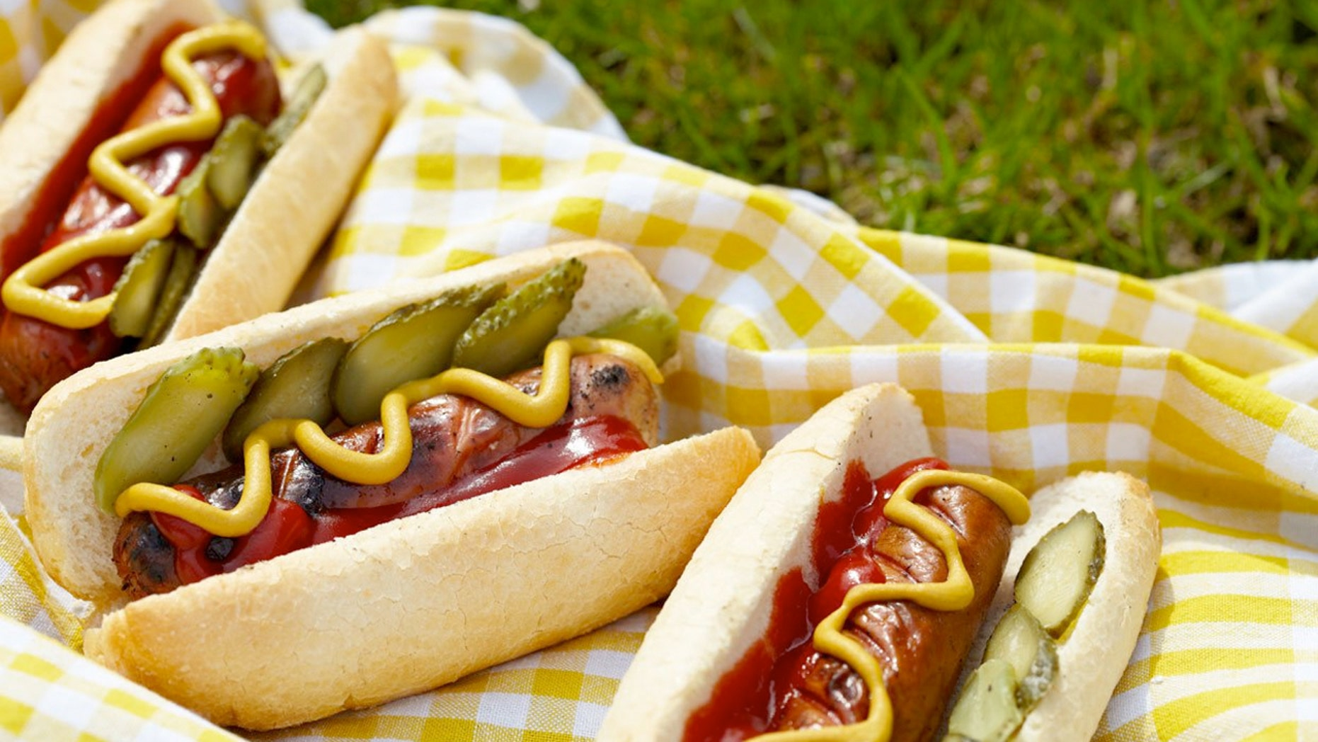 The report found human DNA in 2 percent of samples, two-thirds of which were vegetarian-labelled hot dogs.