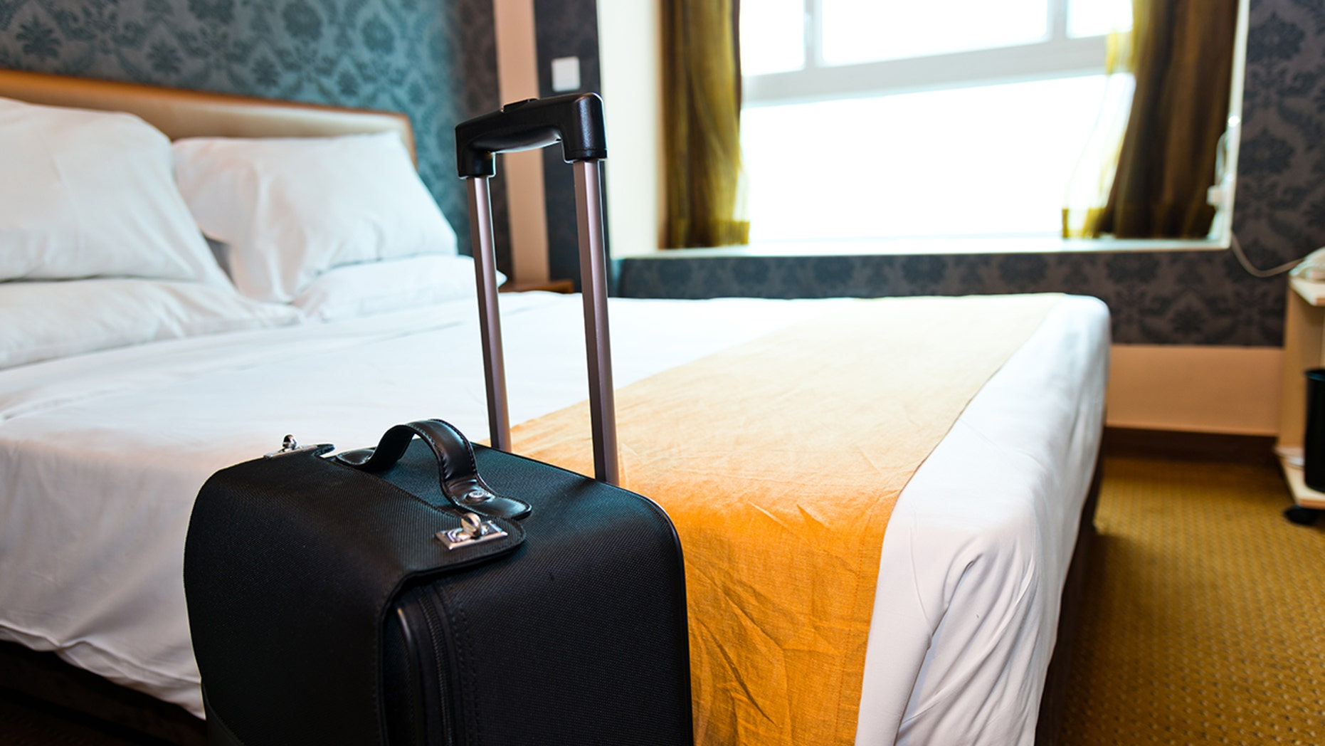 Follow these tips to spot bedbugs in your hotel room