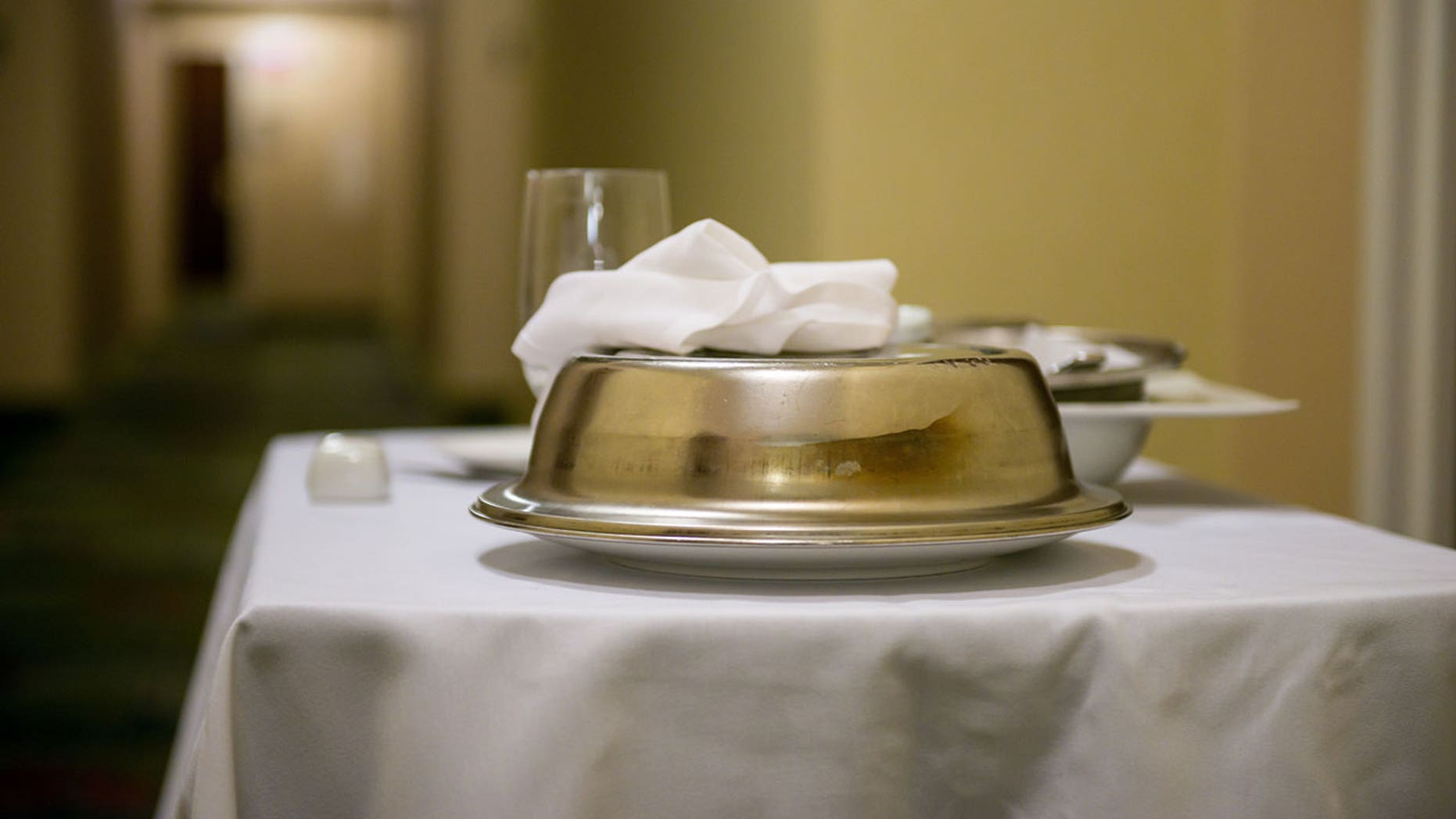 The executive chef at a Westin in Georgia has a few tips for ordering room service.