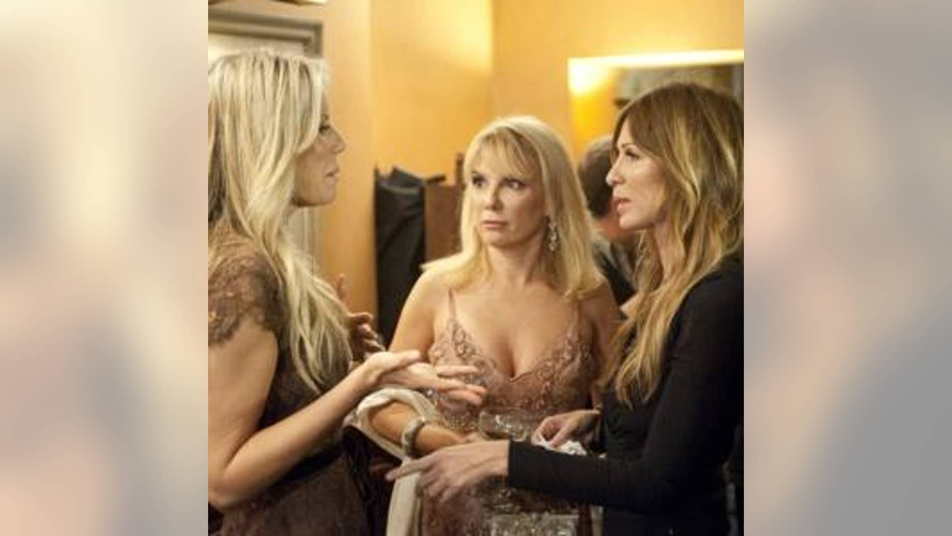 Aviva Drescher (pictured with Ramona Singer and Carole Radziwill) lost her left leg as a child.