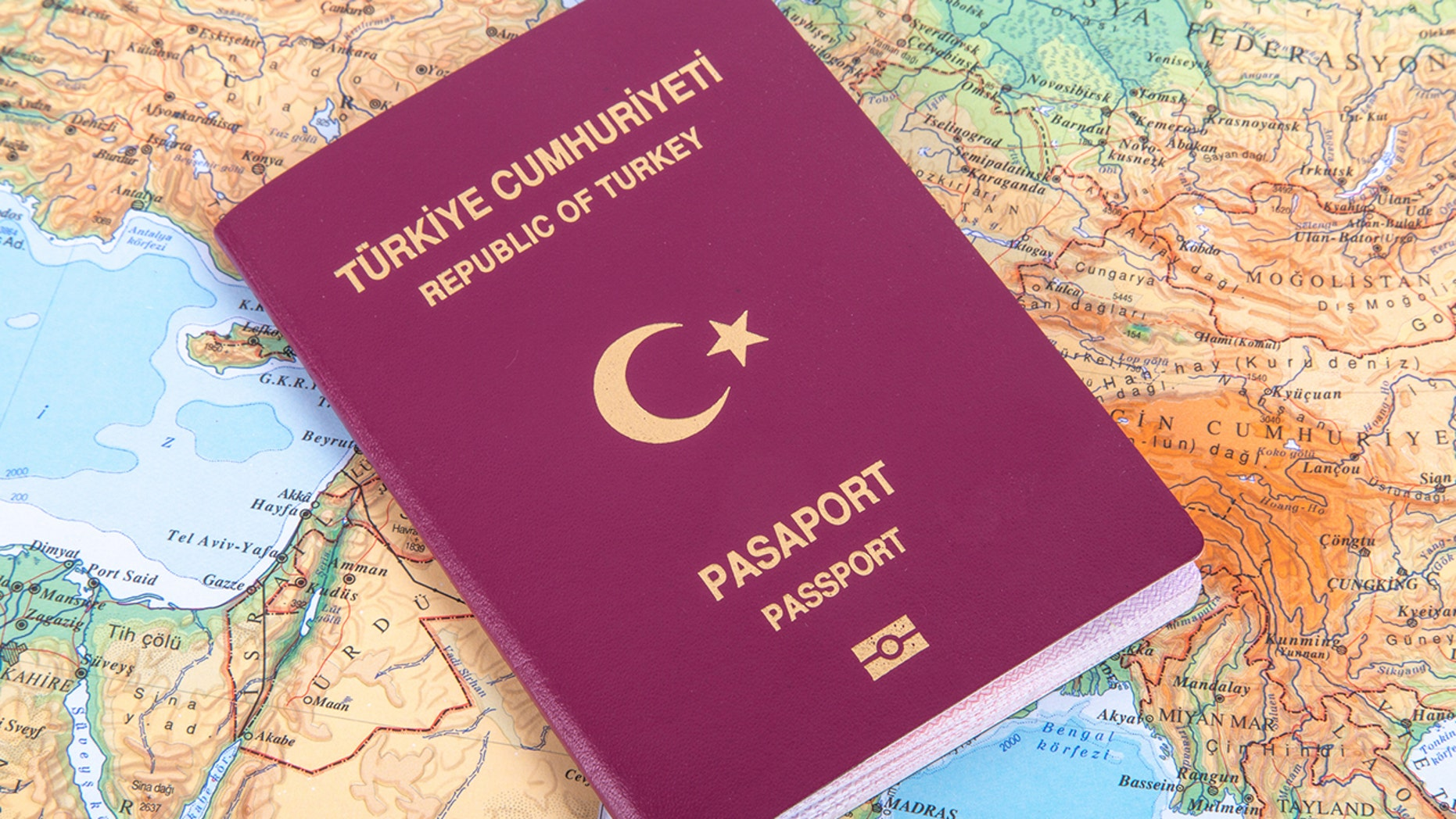 The American embassy has resumed full visa services for Turkish nationals.