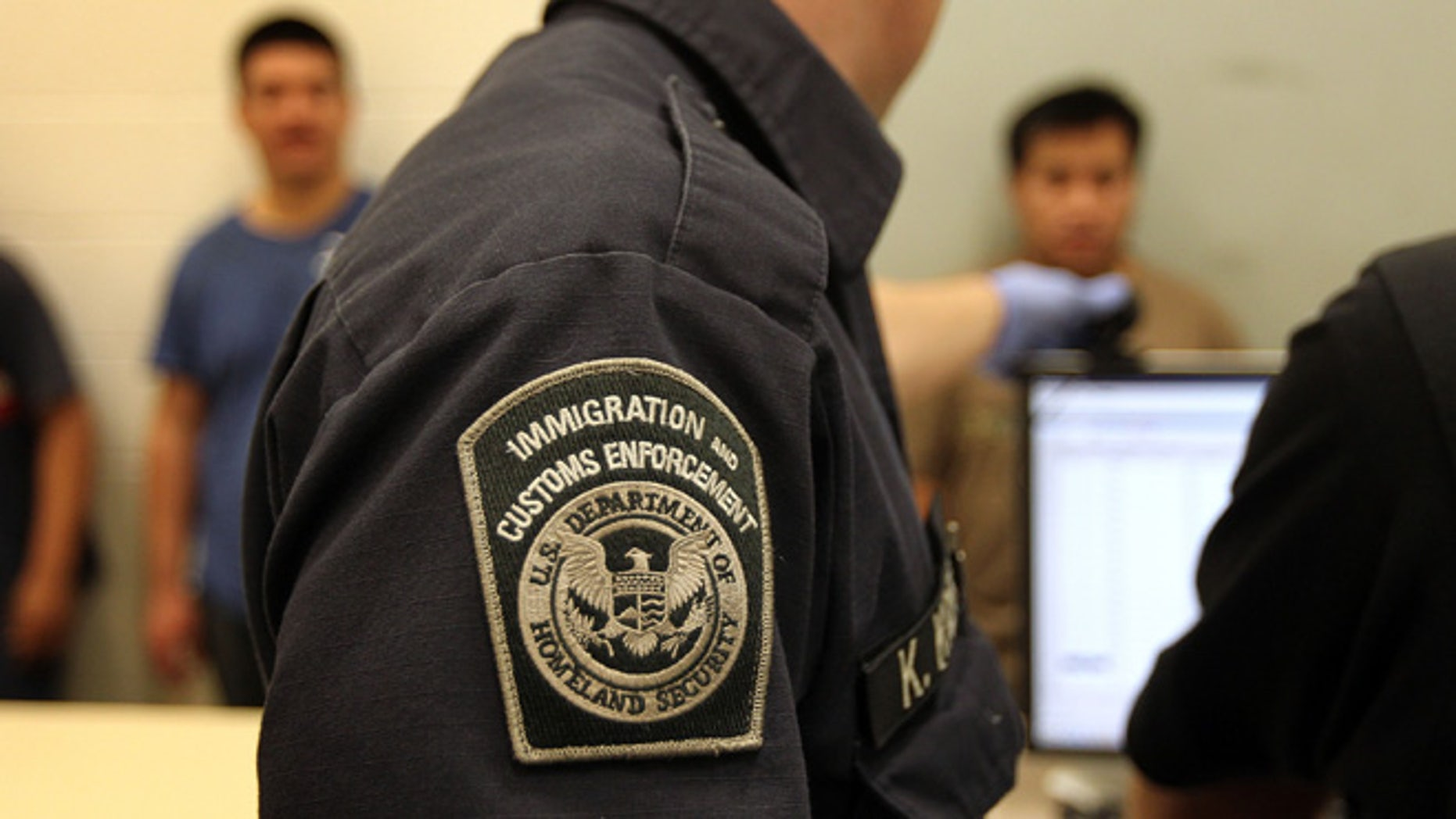 N J  immigration detention center ordered to pay workers