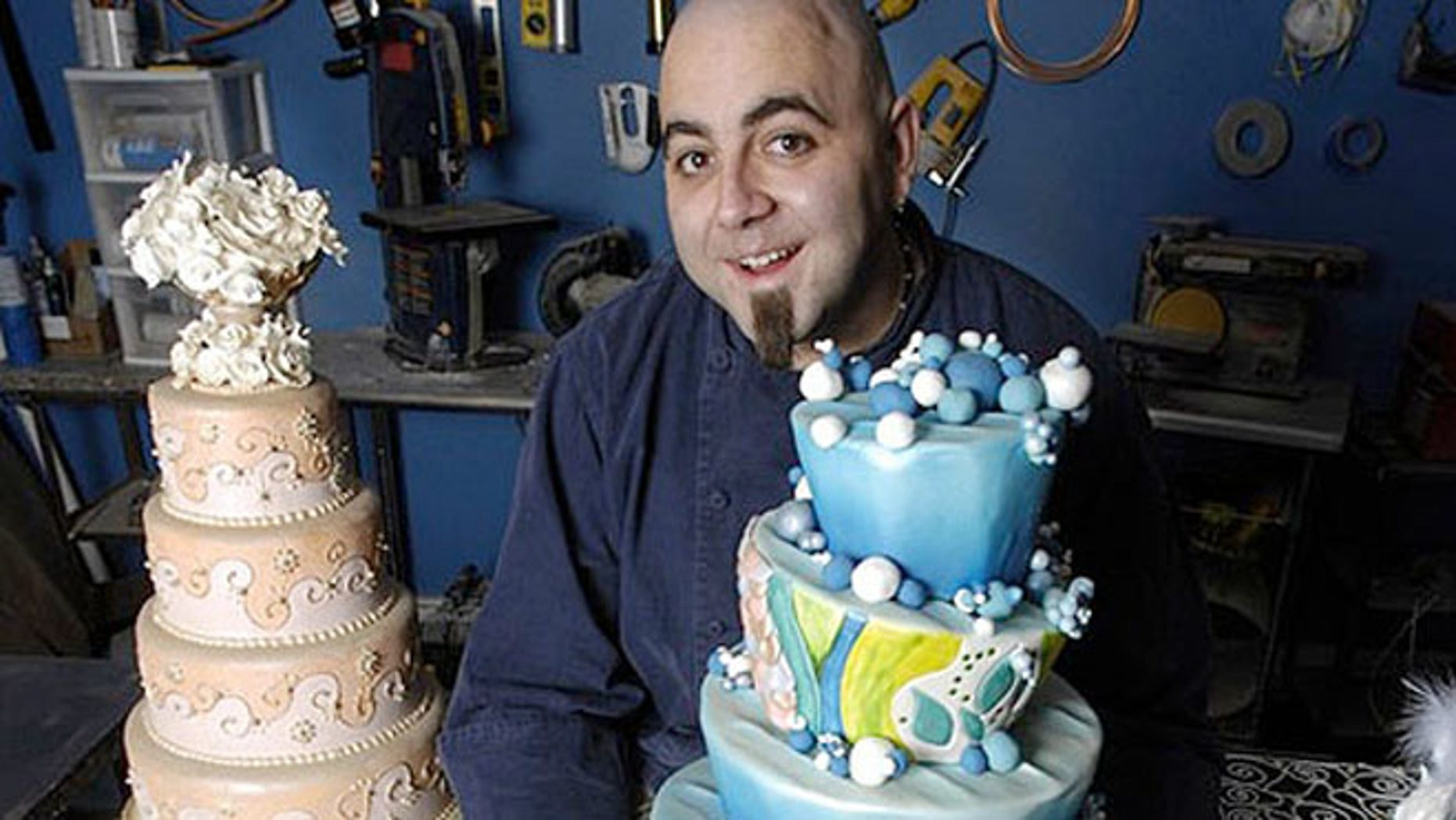 Baltimore celebrity baker Duff Goldman and Charm City Cakes owner is baking for President Barack Obama's inaugural ball.