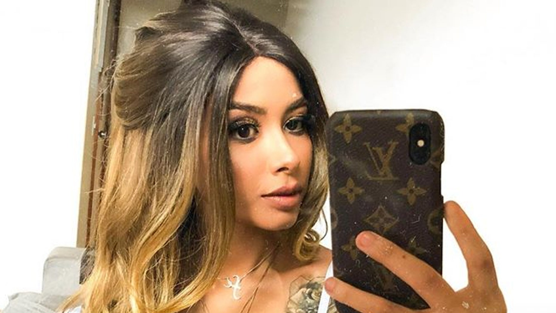 Nara Almeida, who documented and shared her stomach cancer battle with over 4.6 million followers on Instagram, died at age 24.