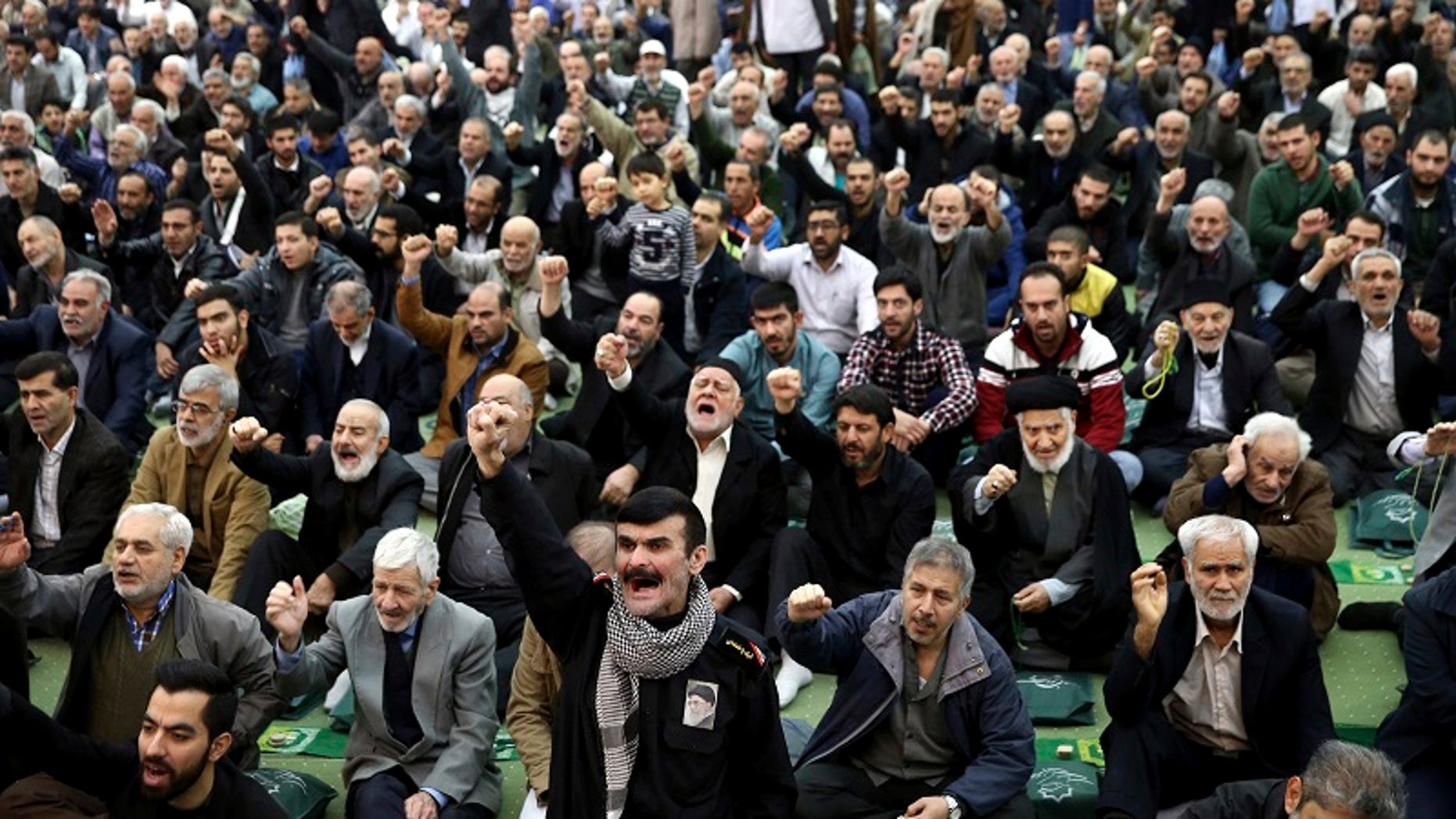 The German government is being urged to abandon its support of Iran's mullah regimes as Iranians protest against the regime.