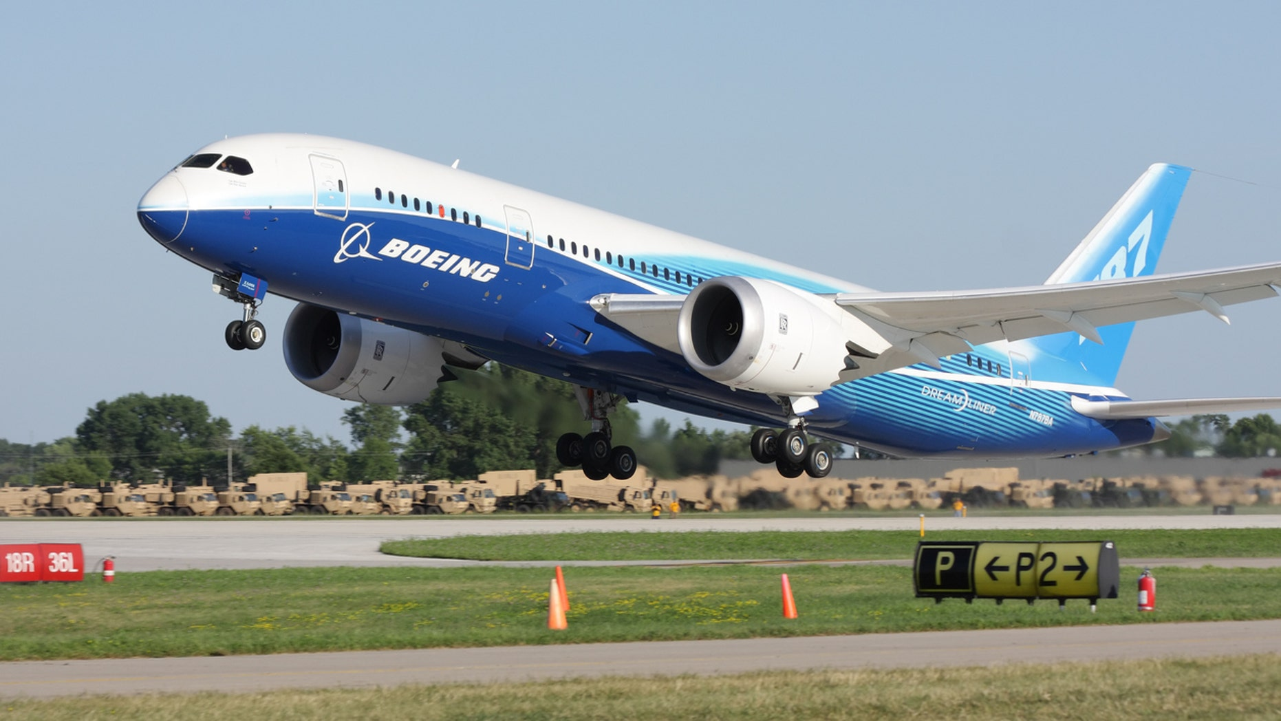 Boeing's Dreamliner painted a pretty pictures of itself in the sky.