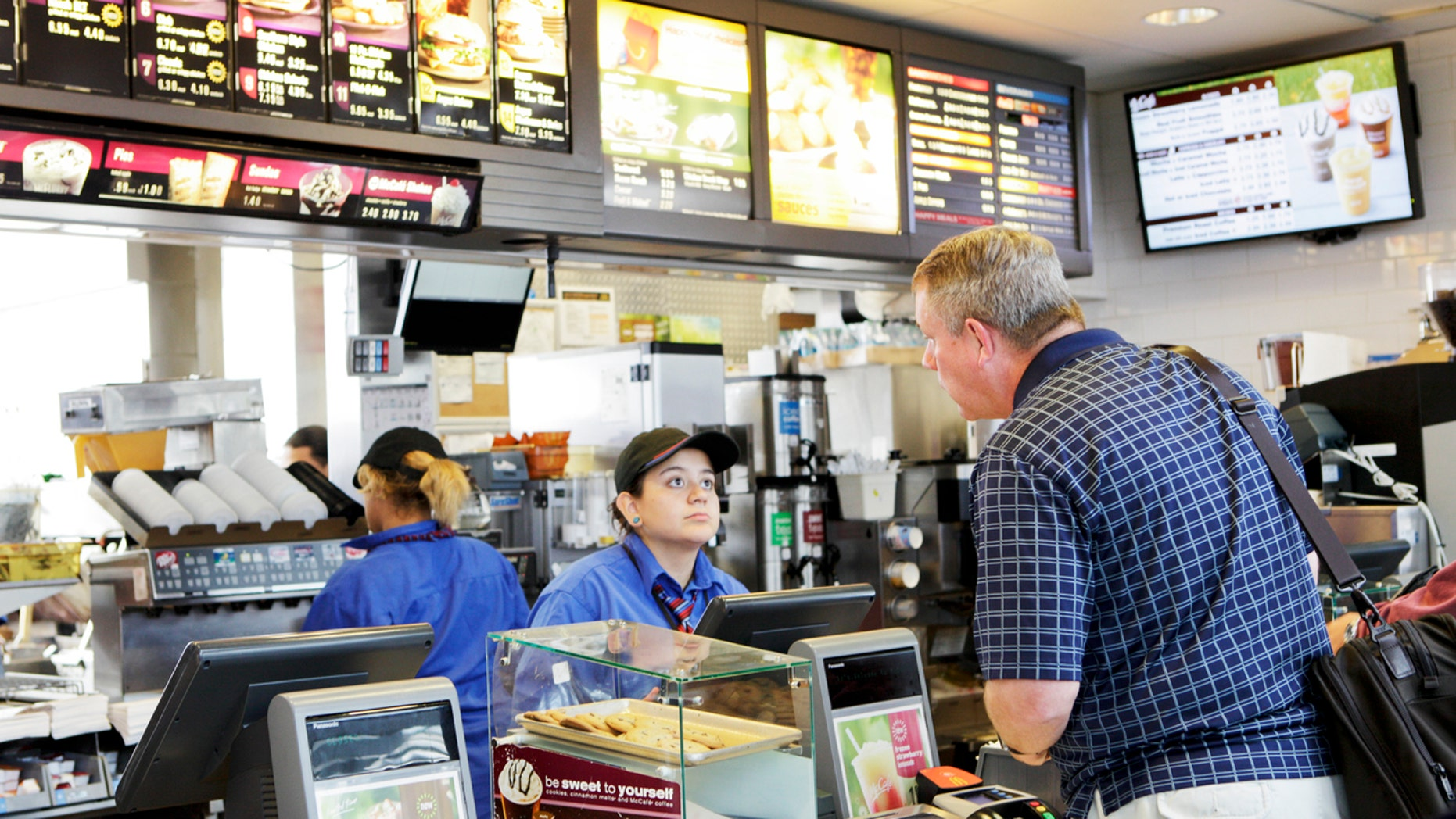 A McDonald's insider is helping people get the freshest meals every time.