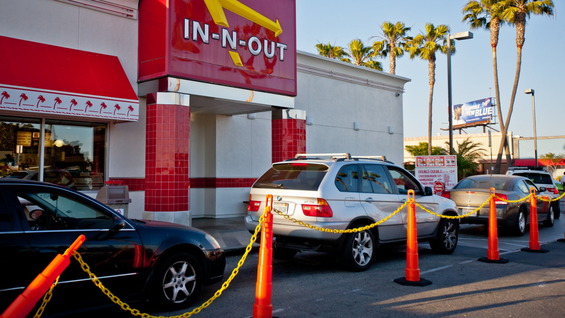 In-N-Out Burger reveals managers make $160k on average | Fox