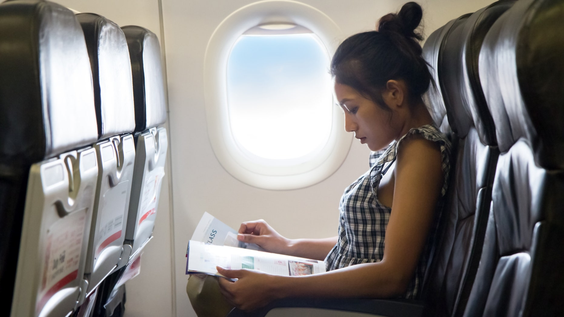 United Airlines has switched its inflight magazine and seatback service guide to lighter paper, reducing the weight by one ounce on each magazine.