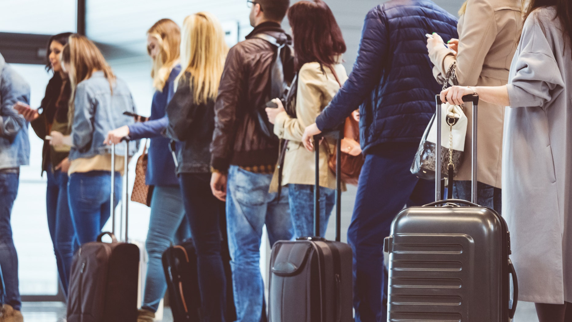 Two hours of delays happened as New Zealand's Auckland Airport on Sunday because a passenger did not go through security again after her cigarette break.