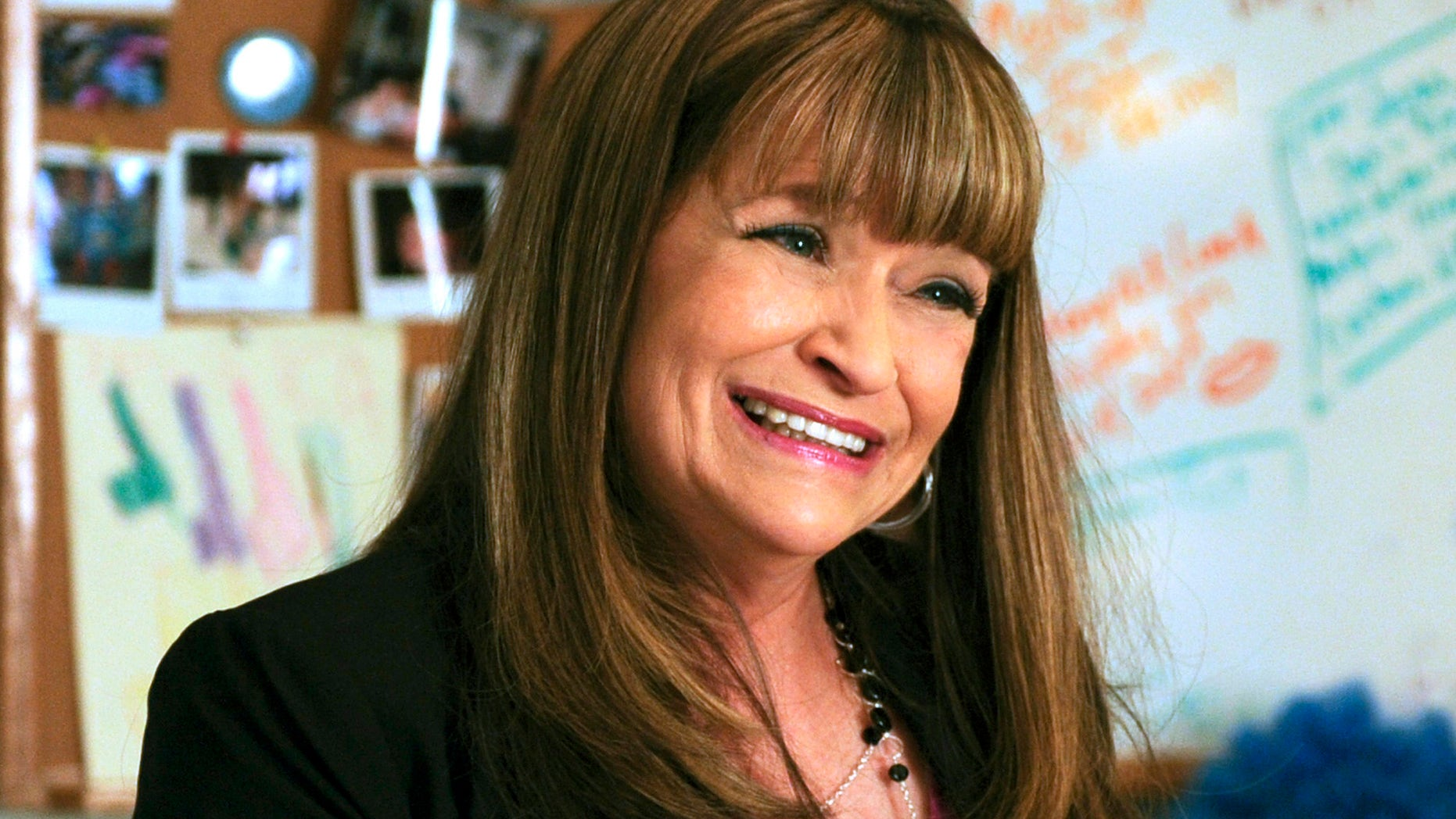 "This photo provided by NBC Universal shows Jan Hooks as Verna in season 4 of the television series, ""30 Rock.""  Hooks, the former ""Saturday Night Live"" cast member has died.  She was 57.  Hooks died Thursday, Oct. 9, 2014 according to her agent Lisa Lieberman. (AP Photo/NBCU Photo Bank, Ali Goldstein)"