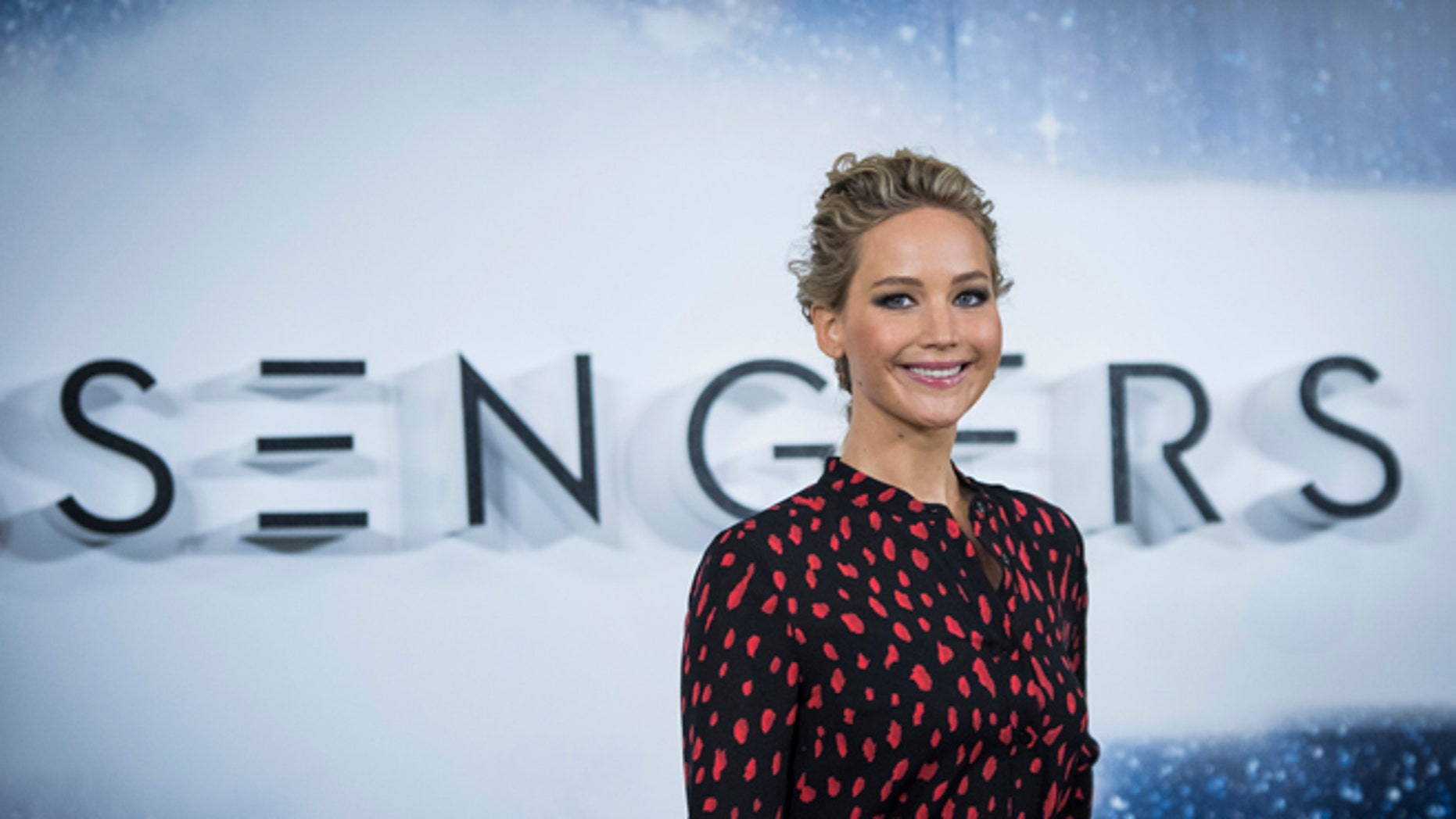 Jennifer Lawrence spread some holiday cheer at the Norton Children's Hospital.