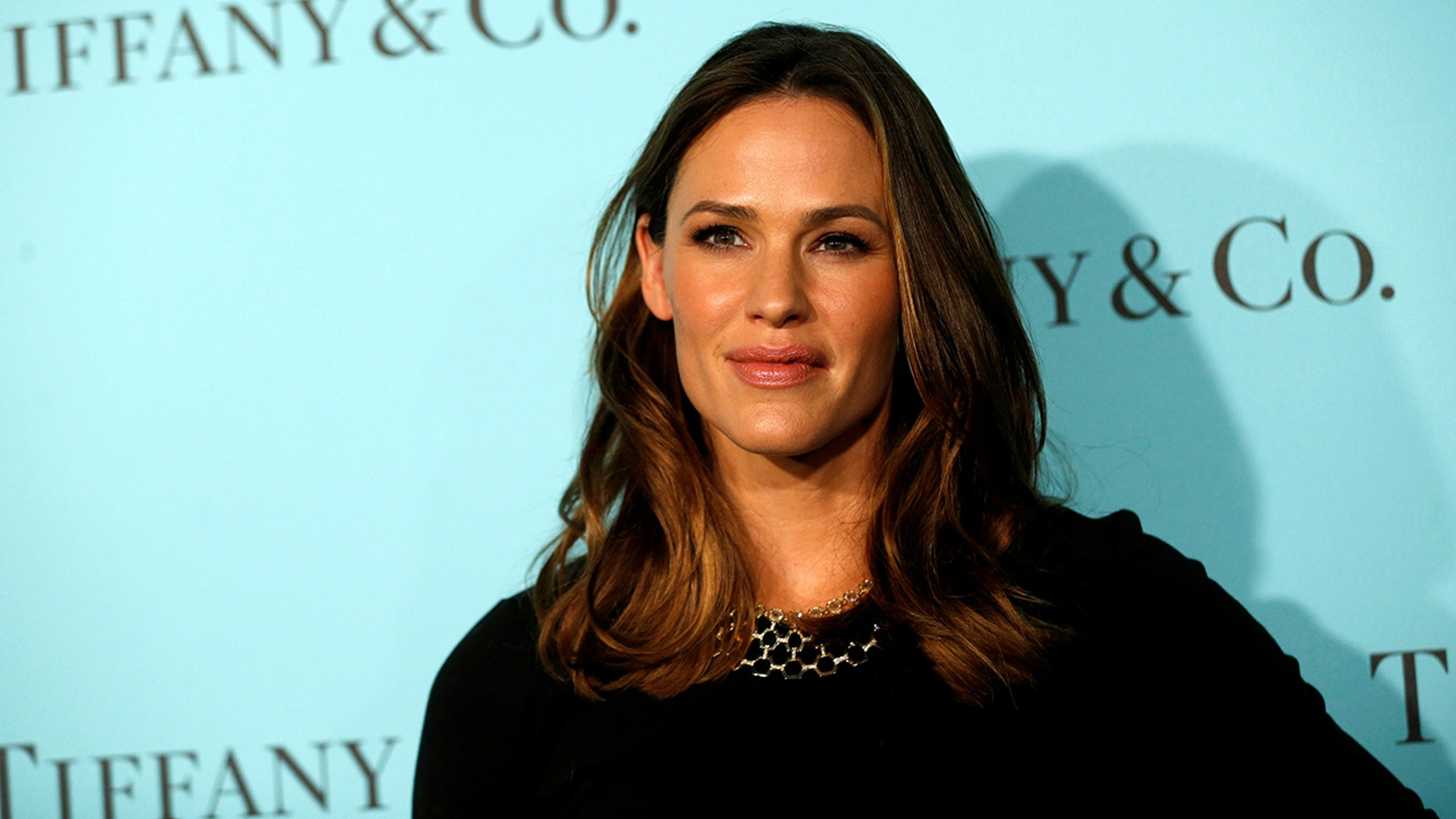 Actor Jennifer Garner poses at a reception for the re-opening of the Tiffany & Co. store in Beverly Hills, California U.S., October 13, 2016.   REUTERS/Mario Anzuoni - S1BEUGWIOFAA
