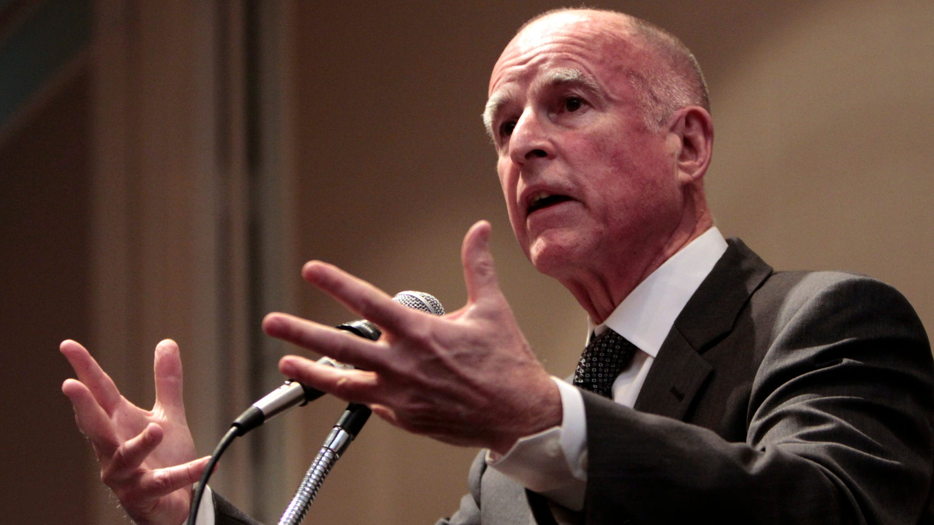 Gov. Jerry Brown speaks at the League of California Cities conference in Sacramento, Calif., Wednesday, Jan. 19, 2011.  (AP)