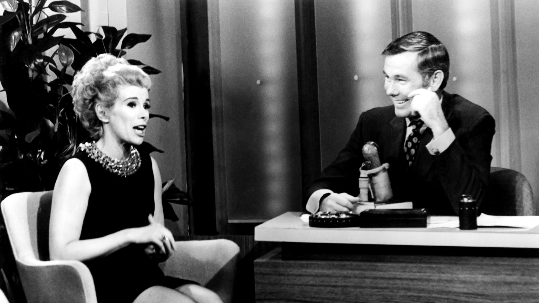 """In an undated photo Joan Rivers, left, and host Johnny Carson during """"The Tonight Show Starring Johnny Carson,"""" in Burbank, Calif."""