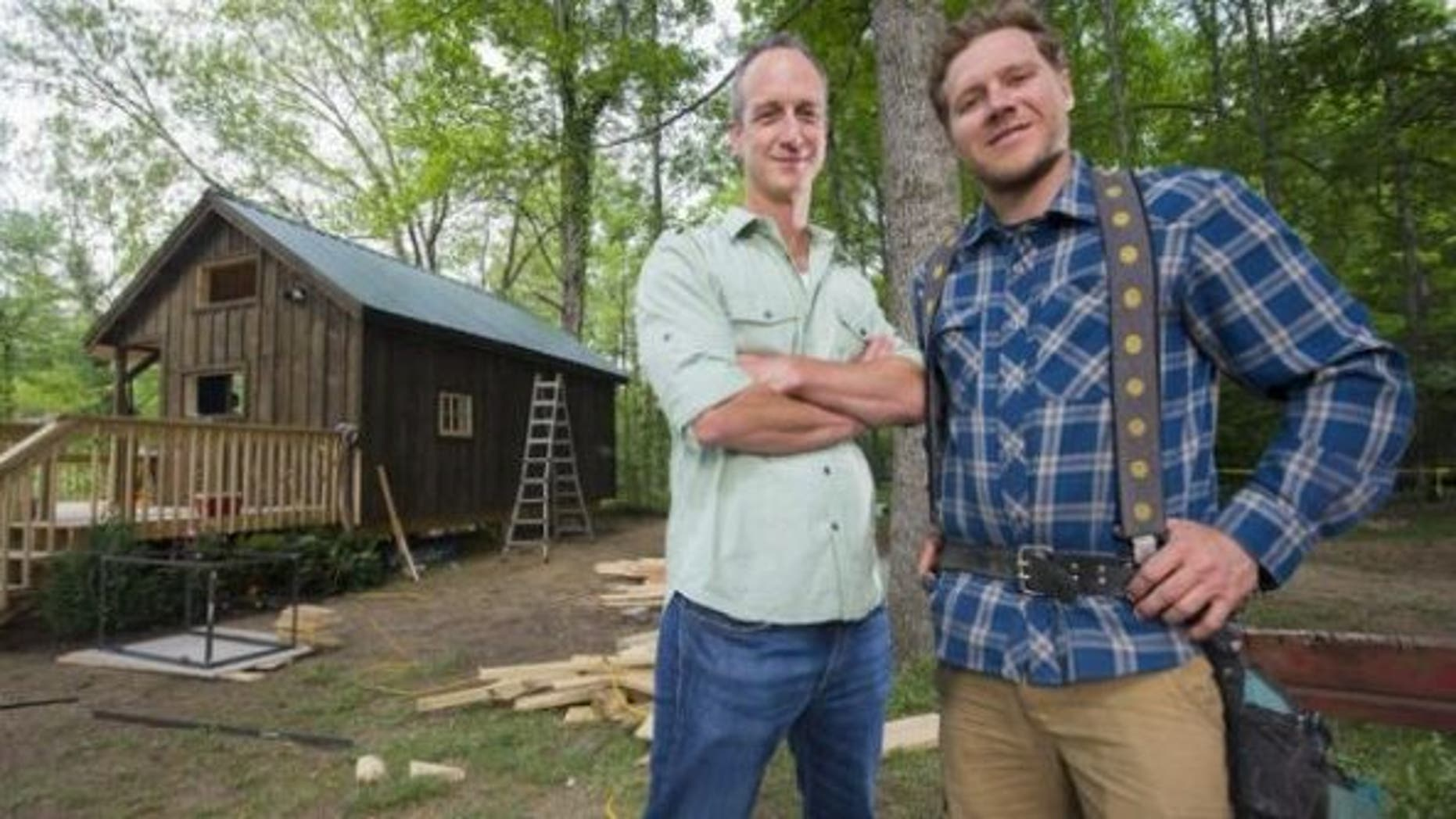 john-weisbarth-and-zack-giffin-tiny-house-nation-tv-hosts-600x336