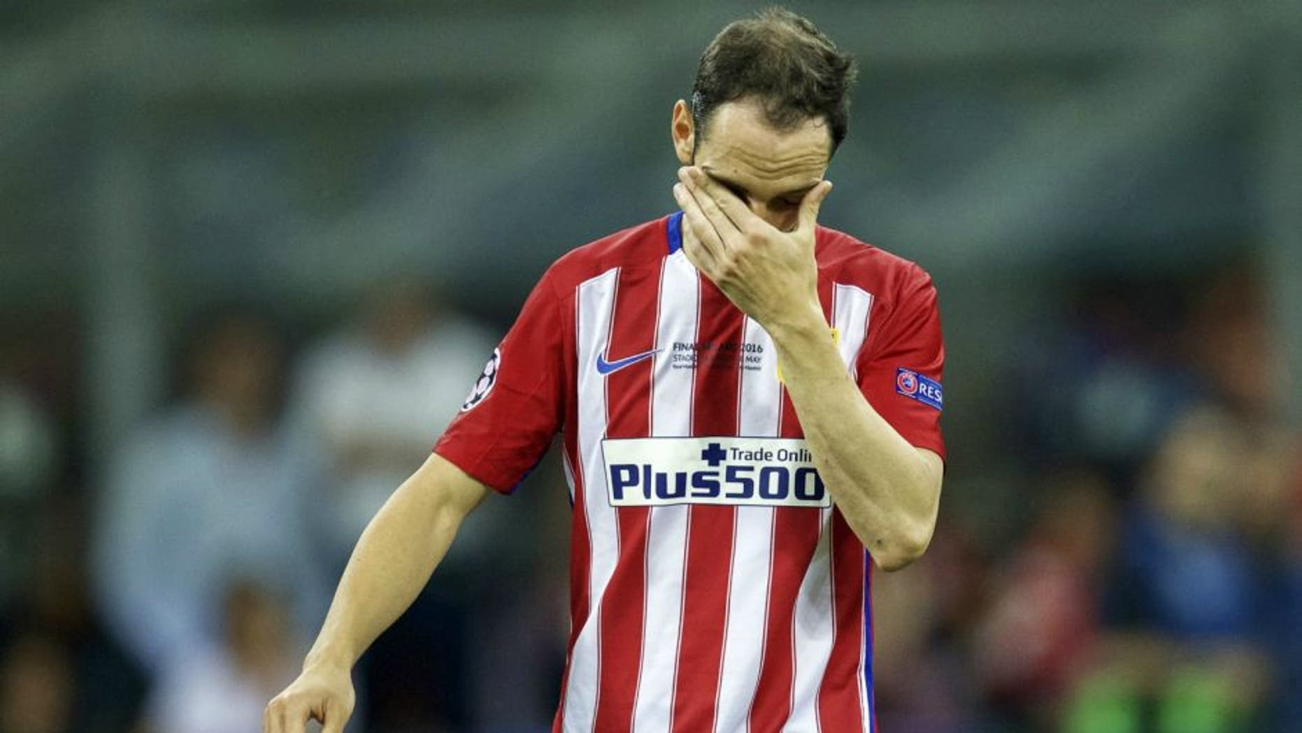 Juanfran of Club Atletico de Madrid during the UEFA Champions League final match between Real Madrid and Atletico Madrid on May 28, 2016 at the Giuseppe Meazza San Siro stadium in Milan, Italy.(Photo by VI Images via Getty Images)