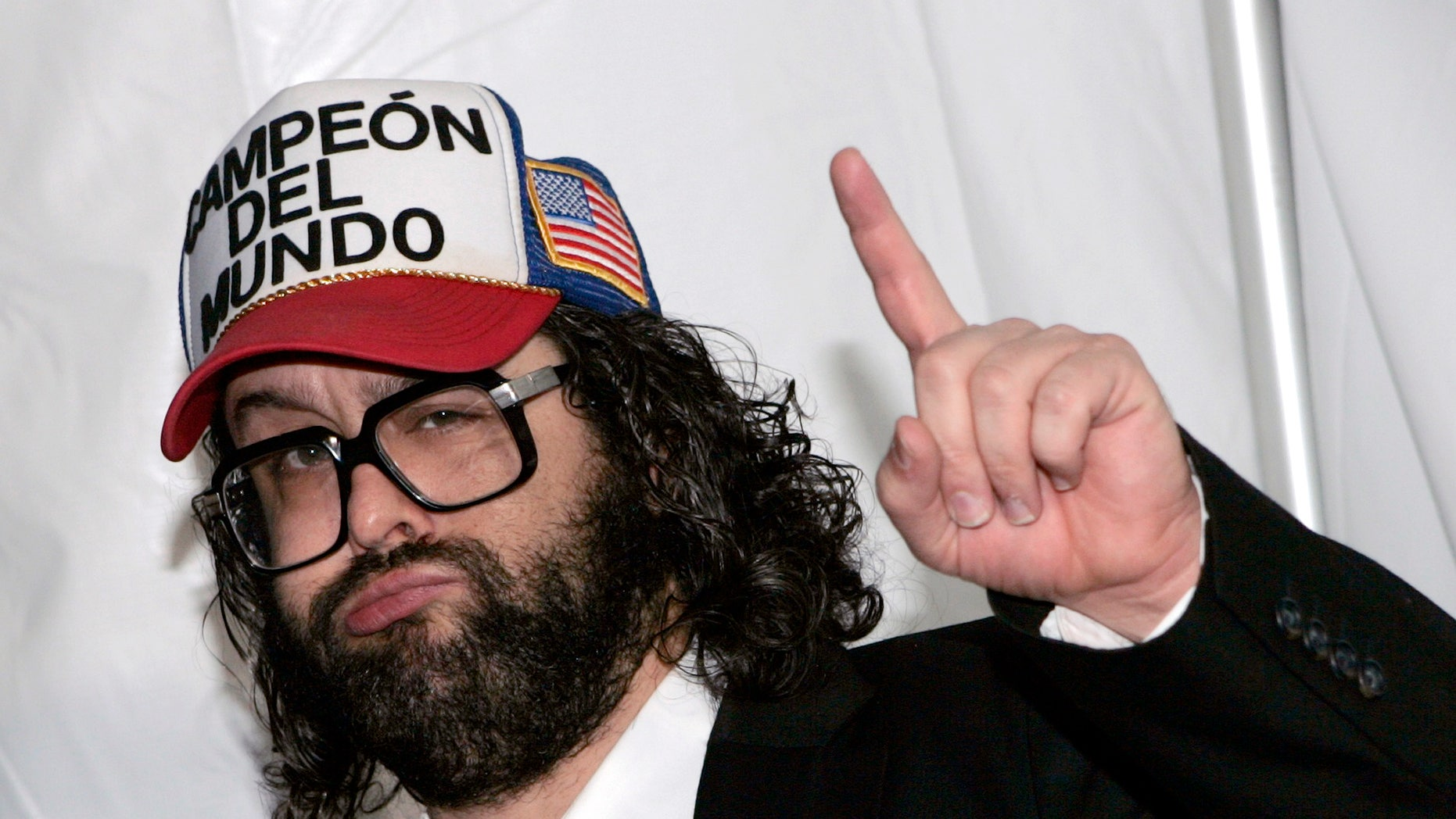 """Actor Judah Friedlander from NBC's comedy series """"30 Rock"""" arrives at the NBC Universal Experience as part of upfront week in New York on May 12, 2008.     REUTERS/Shannon Stapleton (UNITED STATES) - RTX5MIZ"""