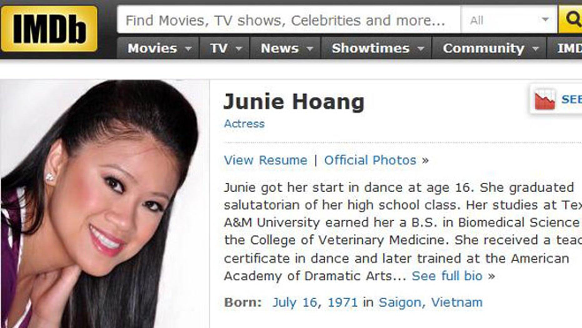 Junie Hoang Nude Photos 25