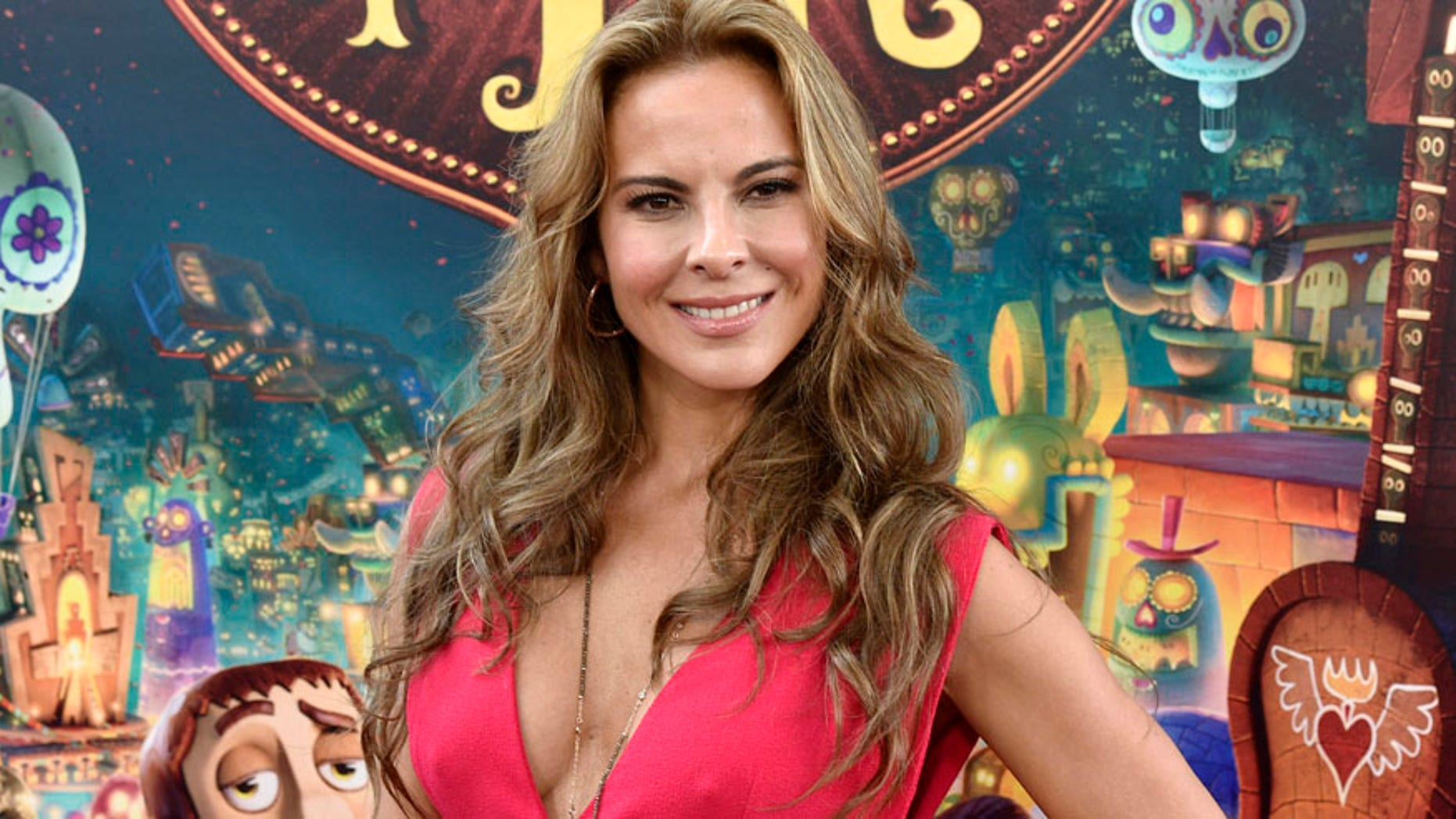 """Cast member Kate del Castillo poses during the premiere of the film """"Book of Life"""" in Los Angeles, California October 12, 2014. REUTERS/Kevork Djansezian  (UNITED STATES - Tags: ENTERTAINMENT) - RTR49W8Z"""
