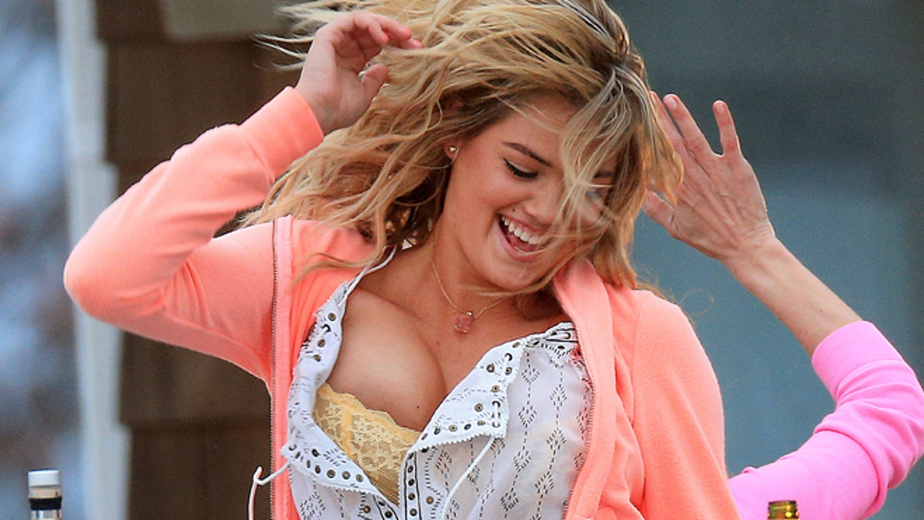 "Kate Upton shows off her chest on the set of ""The Other Woman"" in West Hampton."