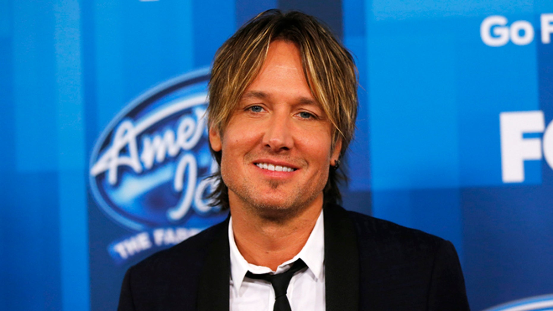 Keith Urban arrives at the American Idol Grand Finale in Hollywood, California April 7, 2016.