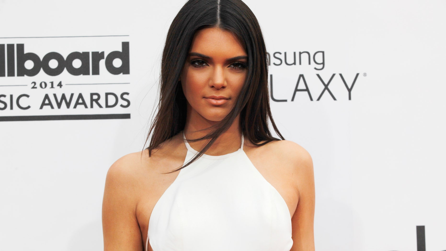 Model Kendall Jenner arrives at the 2014 Billboard Music Awards in Las Vegas, Nevada May 18, 2014.  REUTERS/L.E. Baskow  (UNITED STATES-Tags: ENTERTAINMENT)(BILLBOARDAWARDS-ARRIVALS) - RTR3PQOC