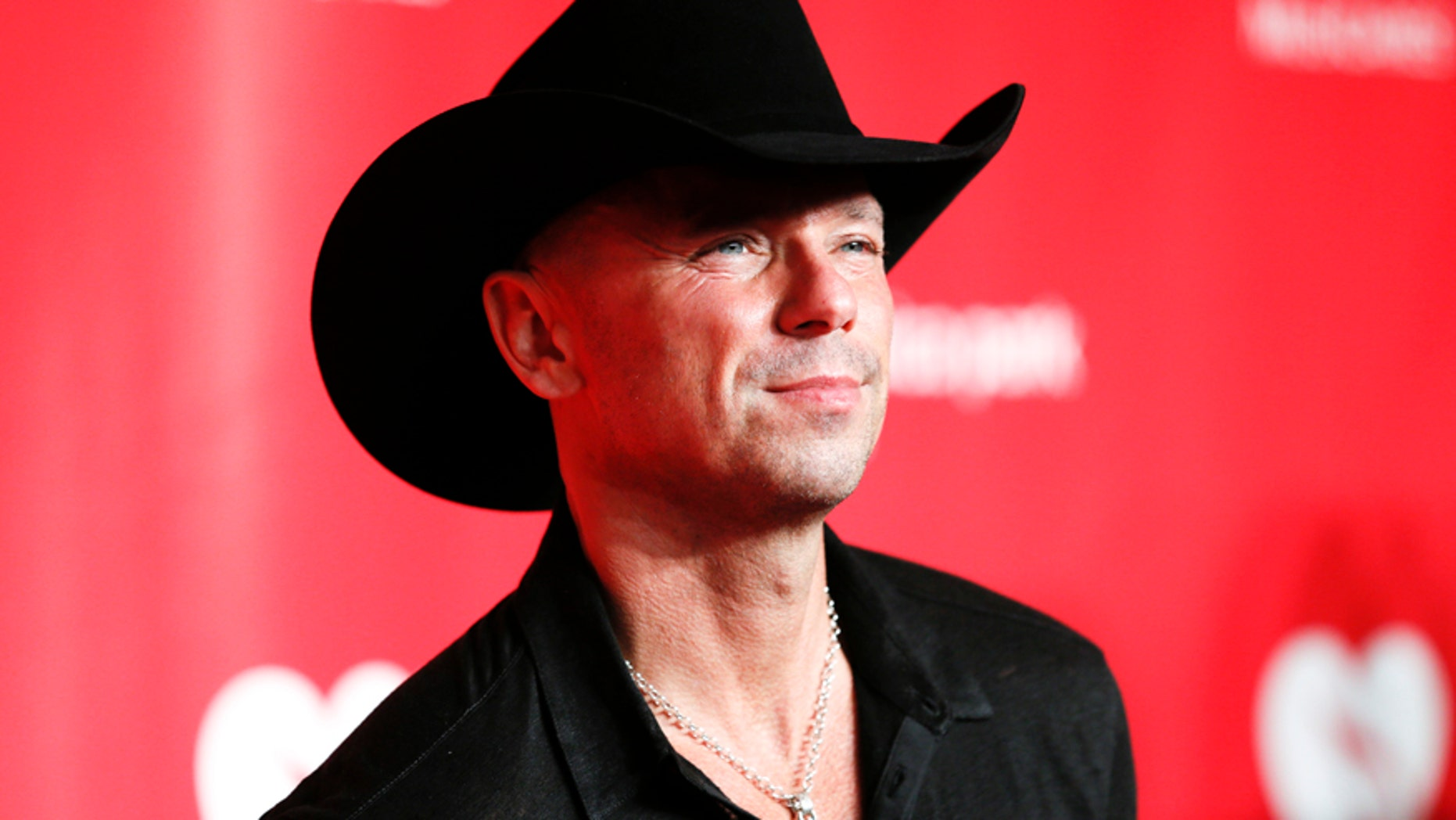 Country singer Kenny Chesney.