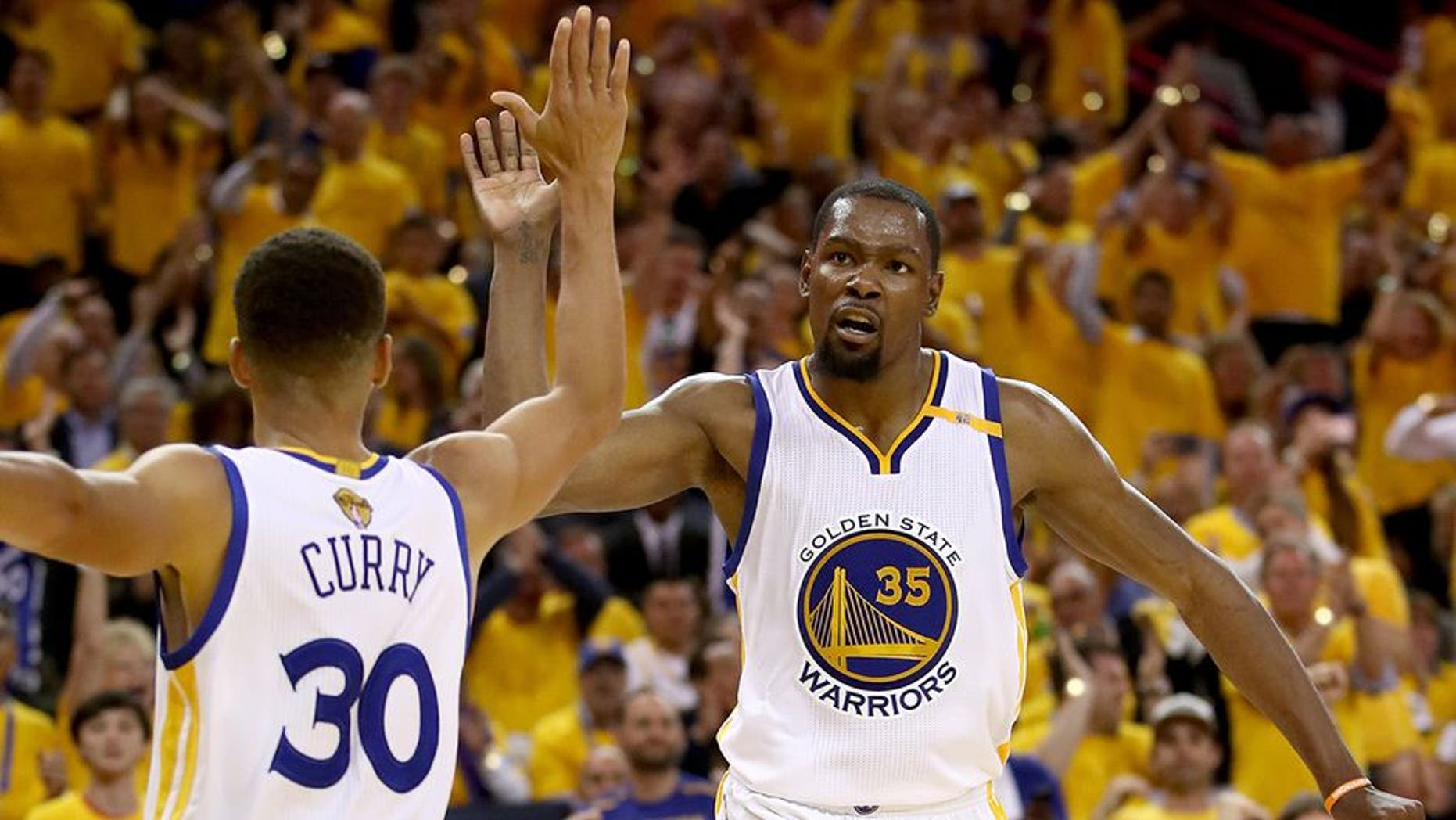 3e329b698 Kevin Durant doesn t deserve your hate for joining the Warriors to ...