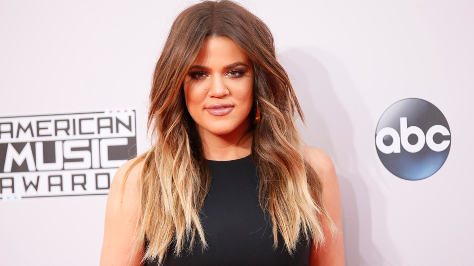 Khloe Kardashian arrives at the 42nd American Music Awards