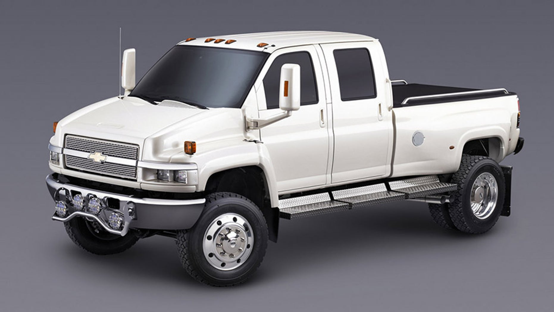 Chevrolet Will Sell Its Biggest Silverado Ever When It Launches A New Line Of Trucks In The Medium Duty Truck Segment Next Year