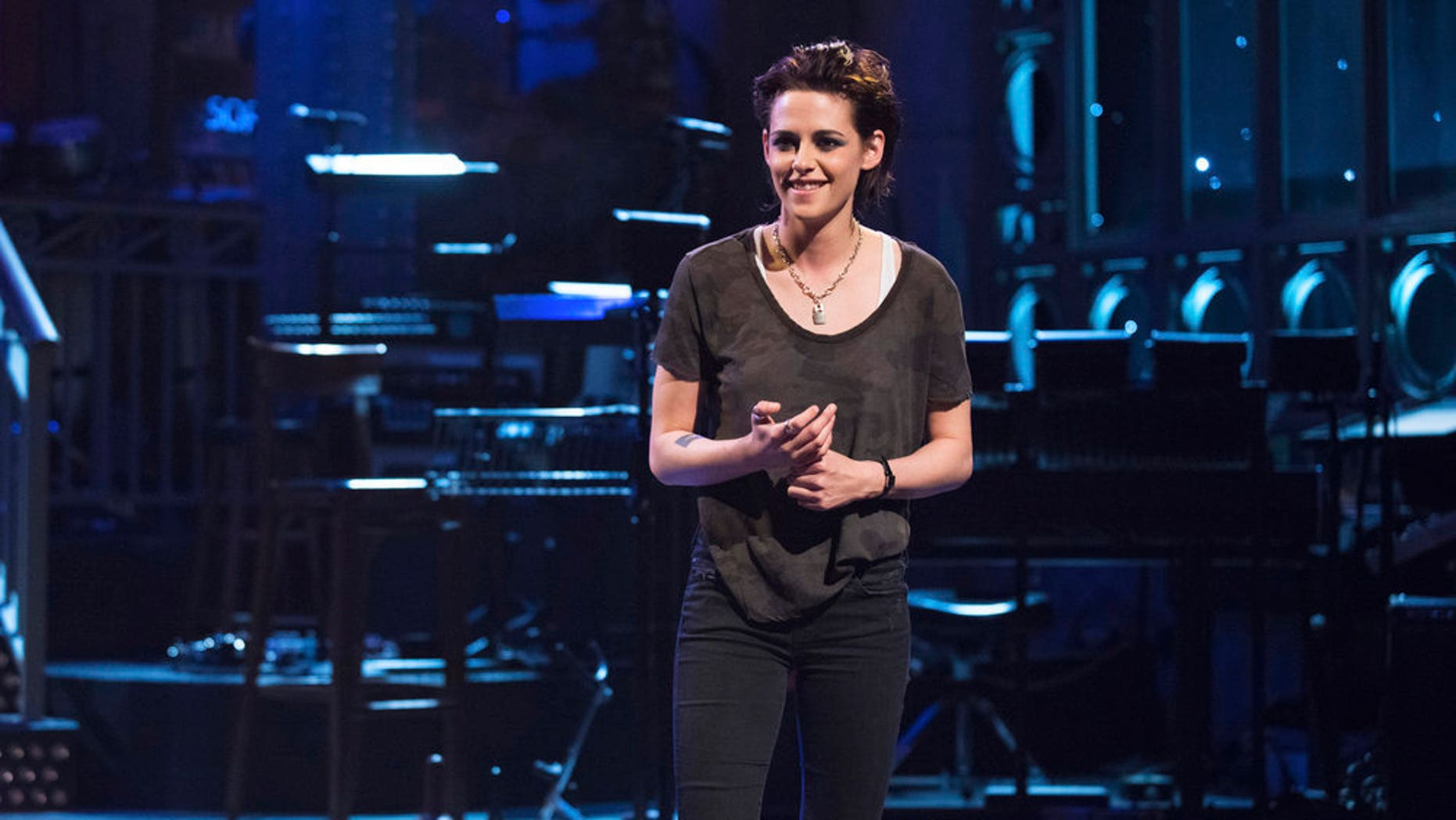 """Kristen Stewart dropped the F-bomb while hosting """"Saturday Night Live"""""""