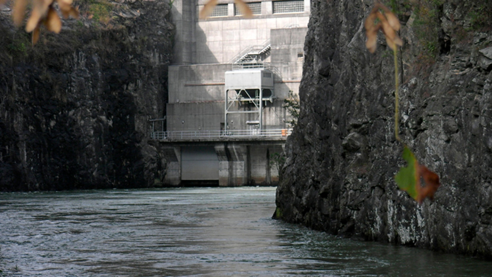 "Oct. 18, 2007: Buford Dam, at the south end of Georgia's Lake Lanier is pictured in this photo. In a January letter to Sens. Barbara Boxer and David Vitter, the chairman and ranking member of the Committee on Environmental & Public Works, Sen. Jeff Sessions, R-Ala.,  zeroes in on the U.S. Army Corps of Engineers, saying it has entered ""but never enforces, water supply contracts with Atlanta-area interests and even allows Atlanta-area interests to withdraw water from Lake Lanier for just one-thousandth of a penny per gallon and to sell the same water to their respective customers for around 250 times that amount."""