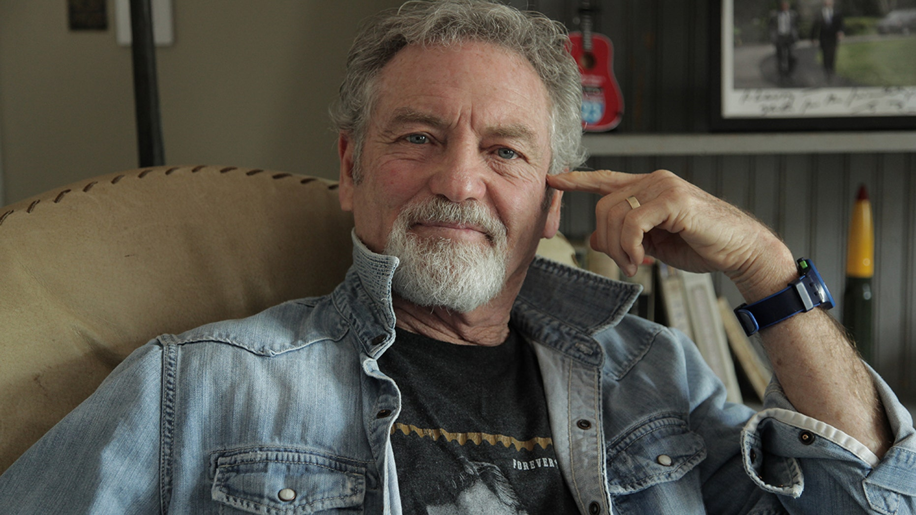 "Larry Gatlin explains how he inspired Kris Kristofferson's hit ""Why Me."""