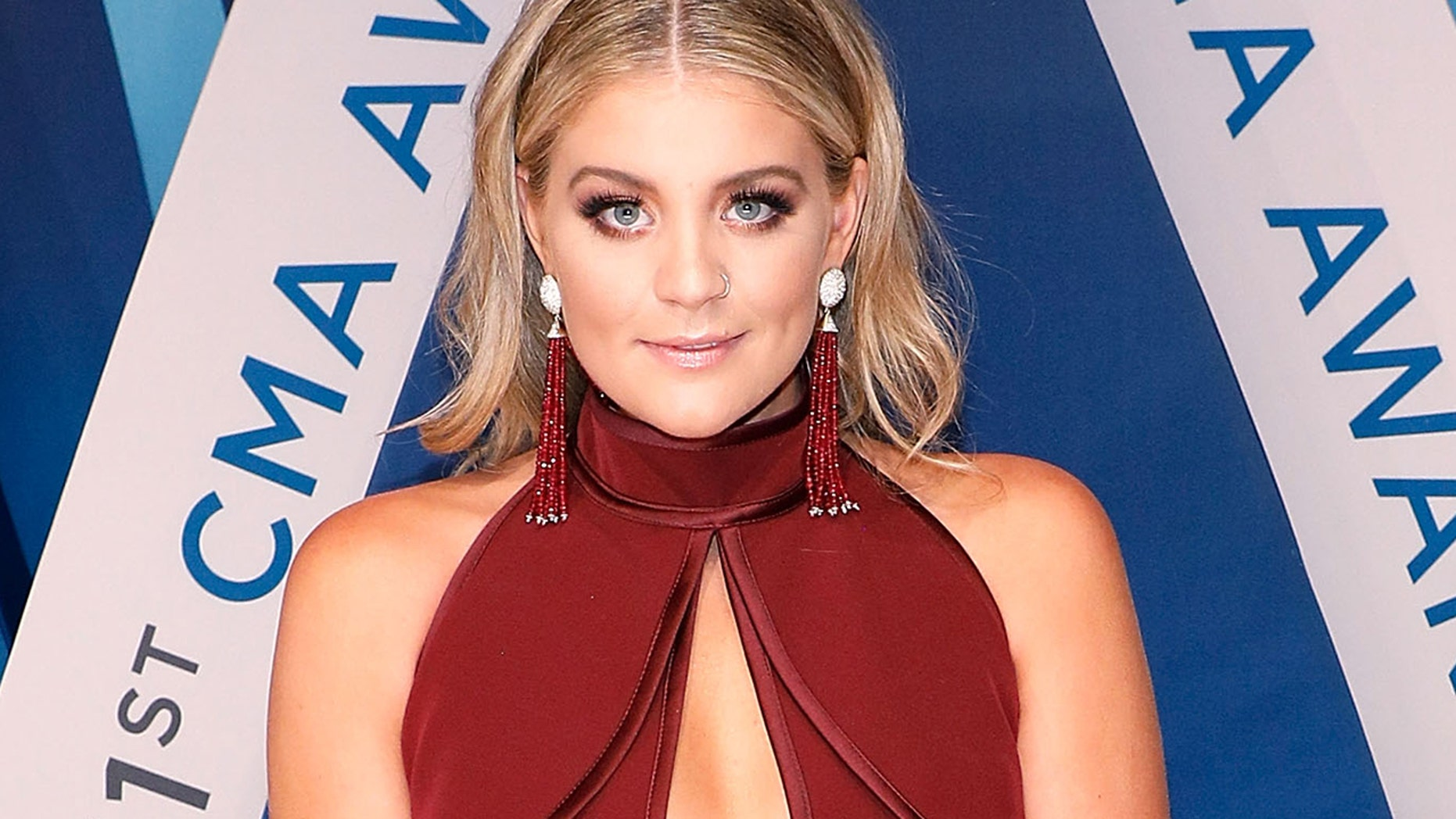 Lauren Alaina Nude Photos 71