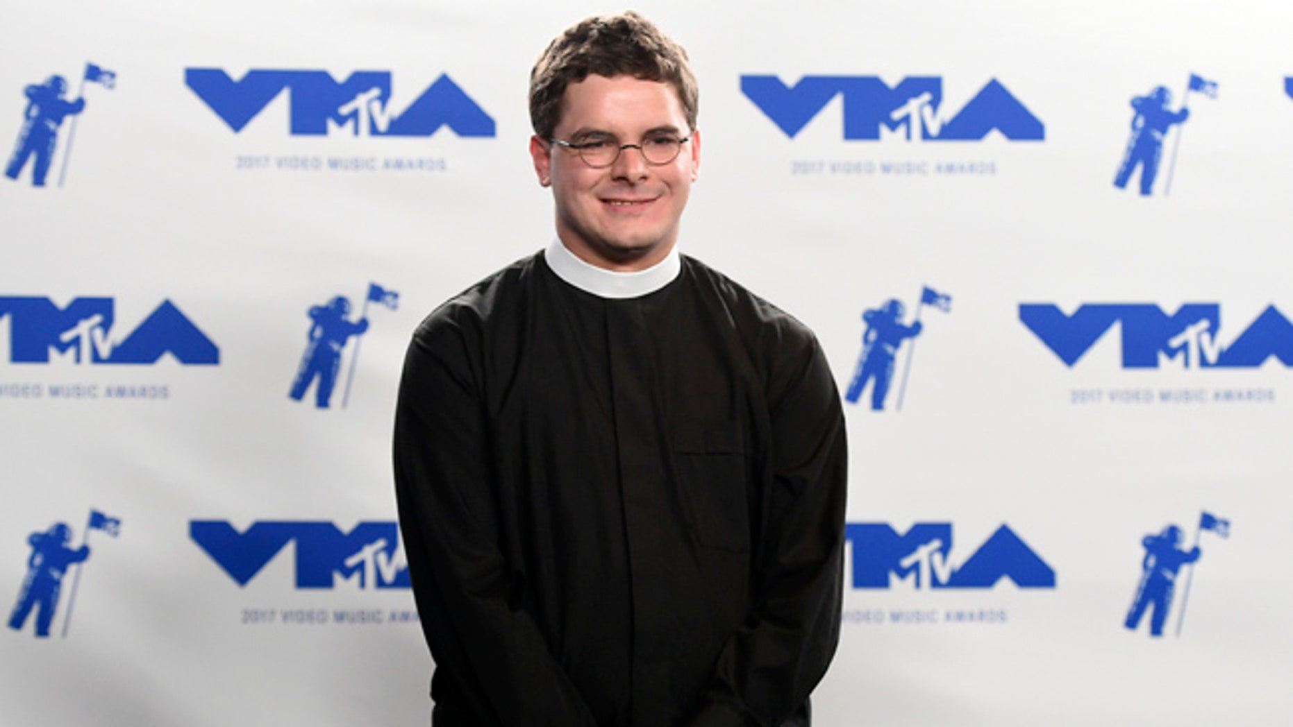 Rev. Robert Wright Lee, a descendant of Confederate Army Gen. Robert E. Lee, poses in the press room at the MTV Video Music Awards.
